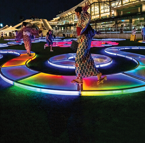Jen Lewin's light sculptures driven by technology evoke an immersive experience