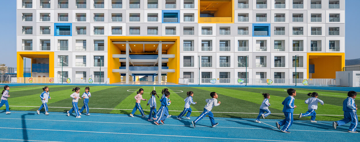 Crossboundaries completes a prefabricated school in Shenzhen within 13 months