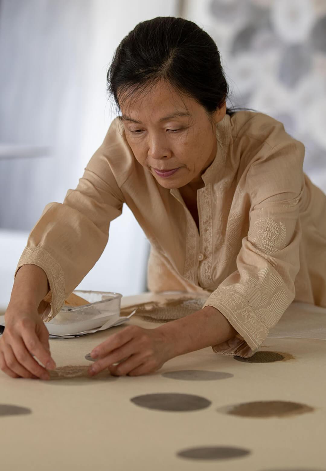 Contemporary Korean artist Minjung Kim | Park Seo-Bo, Minjung Kim | STIRworld
