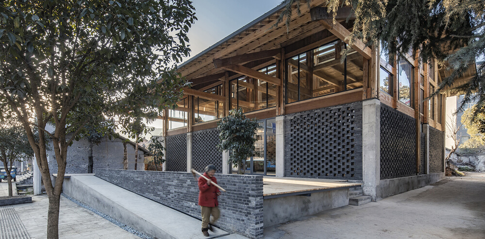 LUO studio completes adaptive reuse of a community center in China in two months