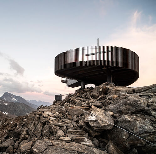 noa* completes Ötzi Peak observation deck on top of 3251 metre glacier in Italy