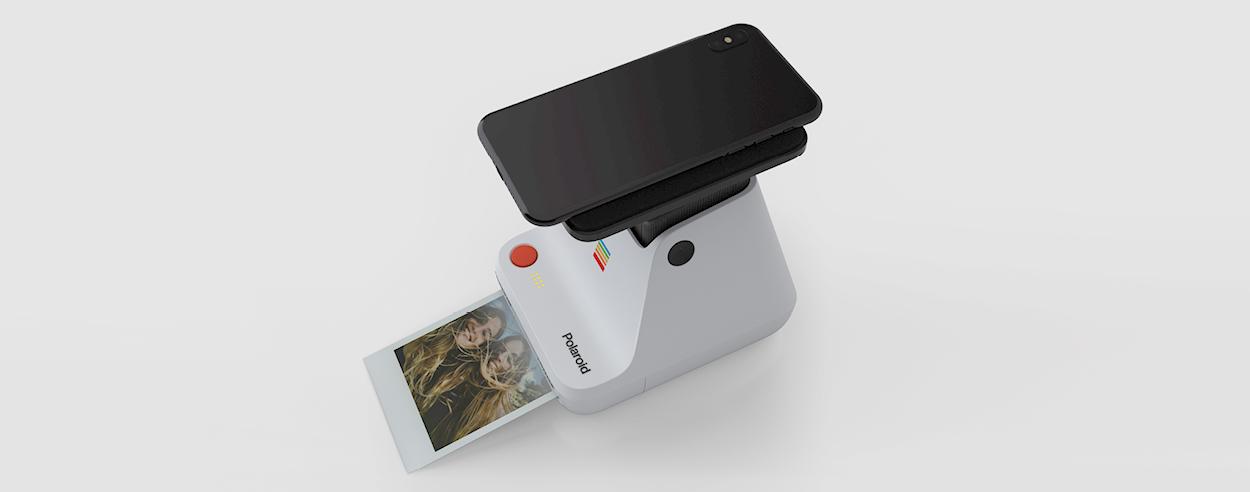Polaroid Lab turns digital images into tangible polaroids