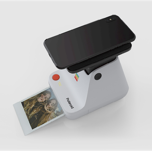 Polaroid Lab turns digital images into tangible polaroids