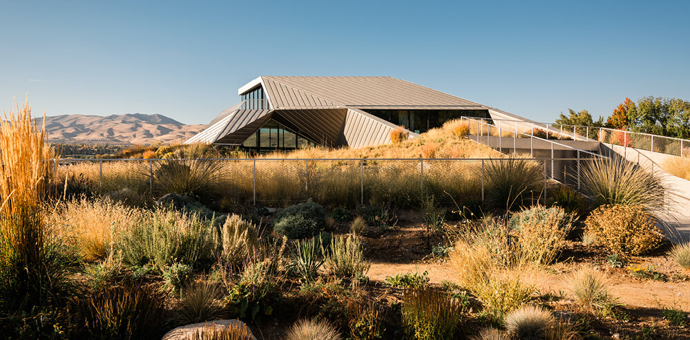 Shapeshifter House in Nevada provides a new model for ecological architecture