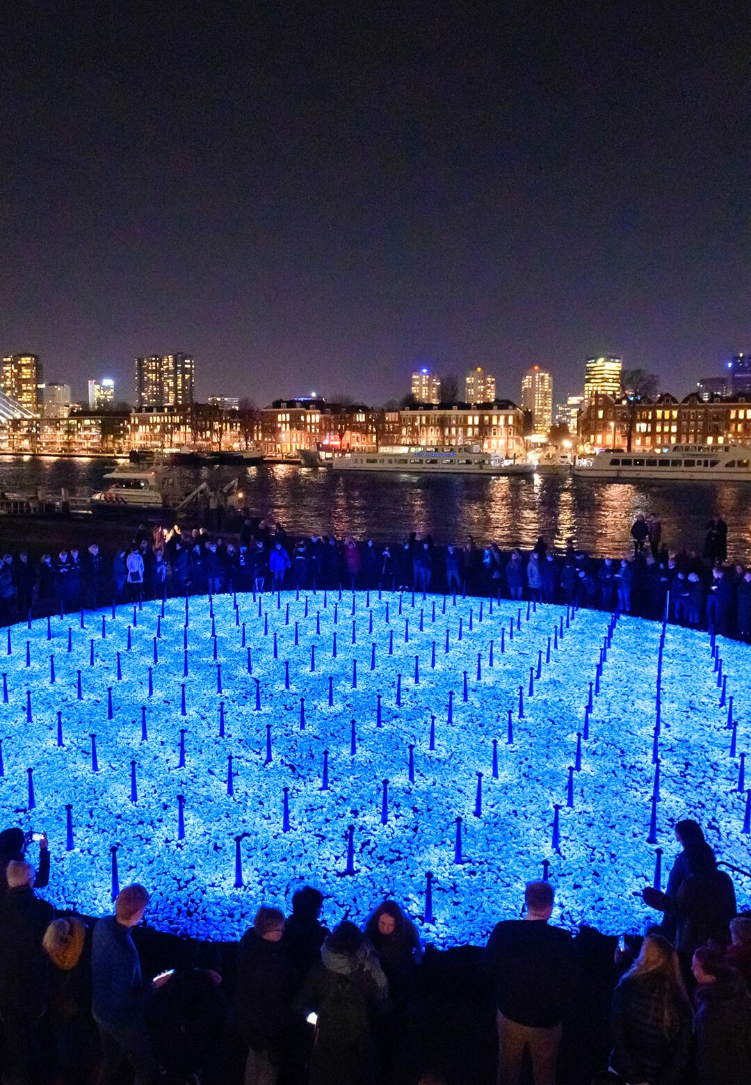 Holocaust monument Levenslicht by Studio Roosegaarde in Rotterdam, the Netherlands | Levenslicht | Daan Roosegaarde | Studio Roosegaarde| STIRworld
