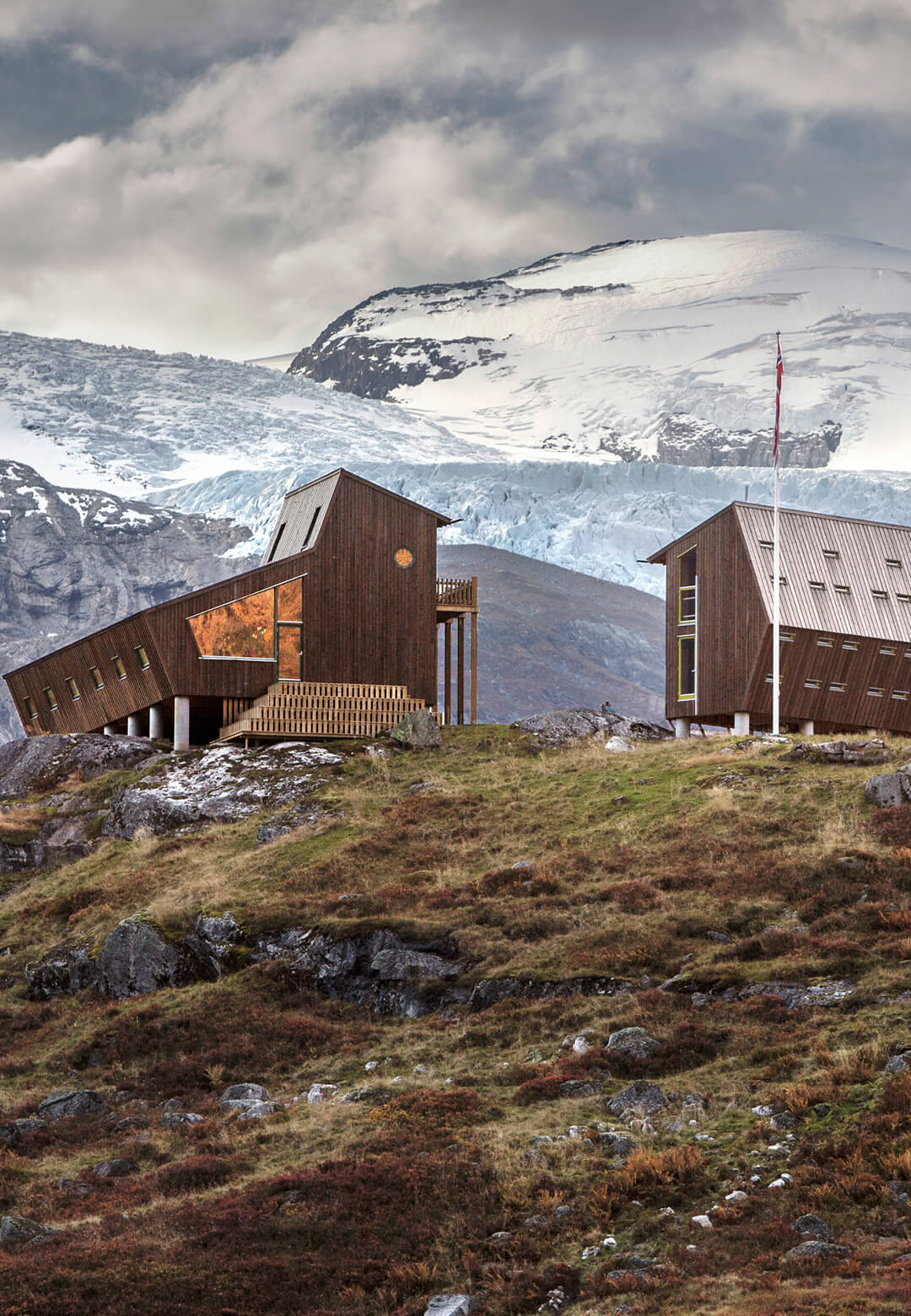 Snøhetta designs Tungestølen, a group of wooden tourist cabins alongside Jostedalsbreen Glacier in Norway | Tungestølen Hiking Cabin by Snøhetta | STIRworld