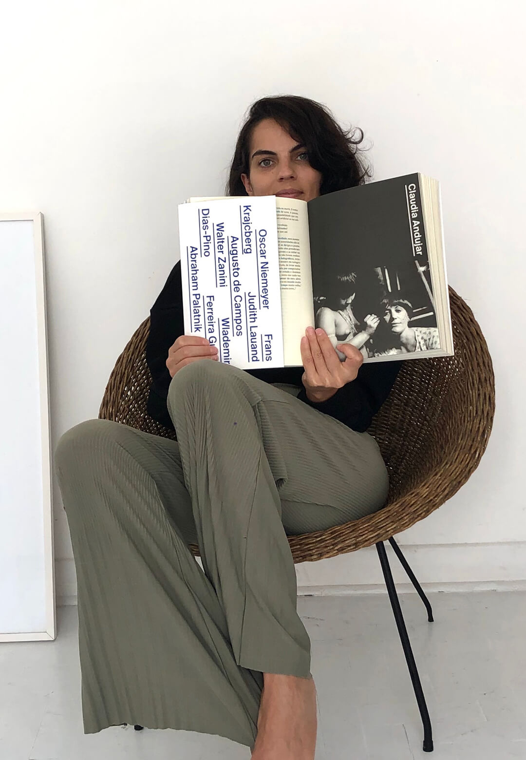 Architect Mariana Schmidt is reading 'Entrevistas Brasileiras: Volume 1' by Hans Ulrich Obrist – the curator and director of Serpentine Gallery, London | What Am I Reading | Mariana Schmidt | Entrevistas Brasileiras: Volume 1| STIRworld