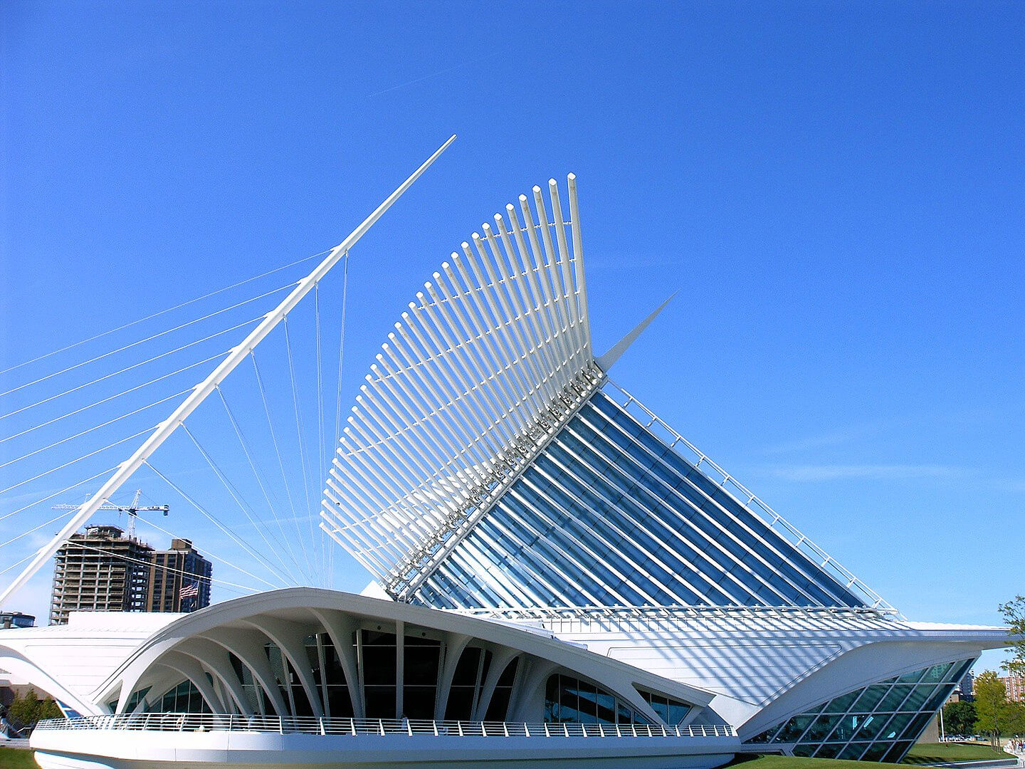 The brisé soleil of the Quadracci Pavilion at the Milwaukee Art Museum | Santiago Calatrava | STIRworld