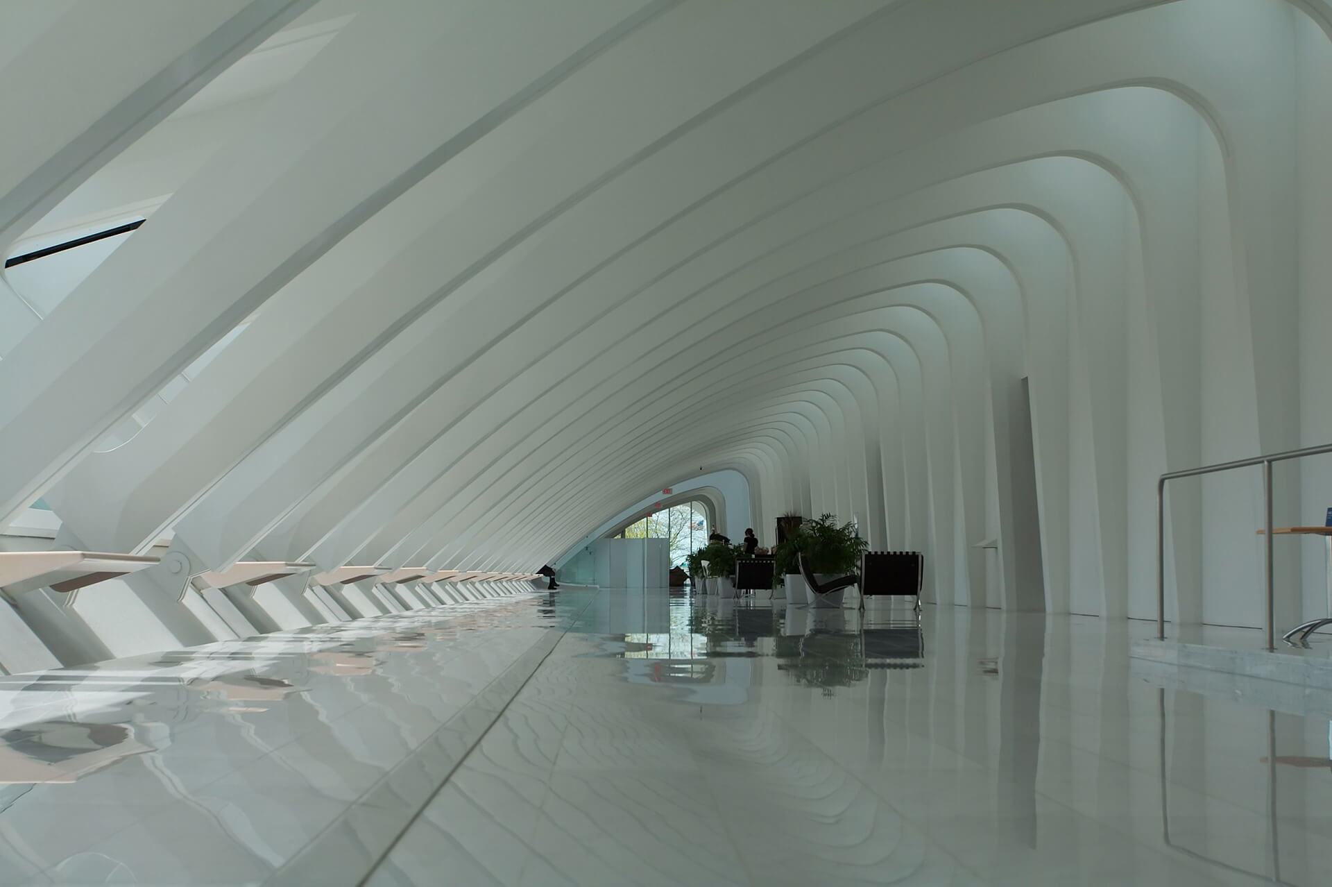 DInteriors of the Milwaukee Art Museum under the wing-like structure | Santiago Calatrava | STIRworldummy
