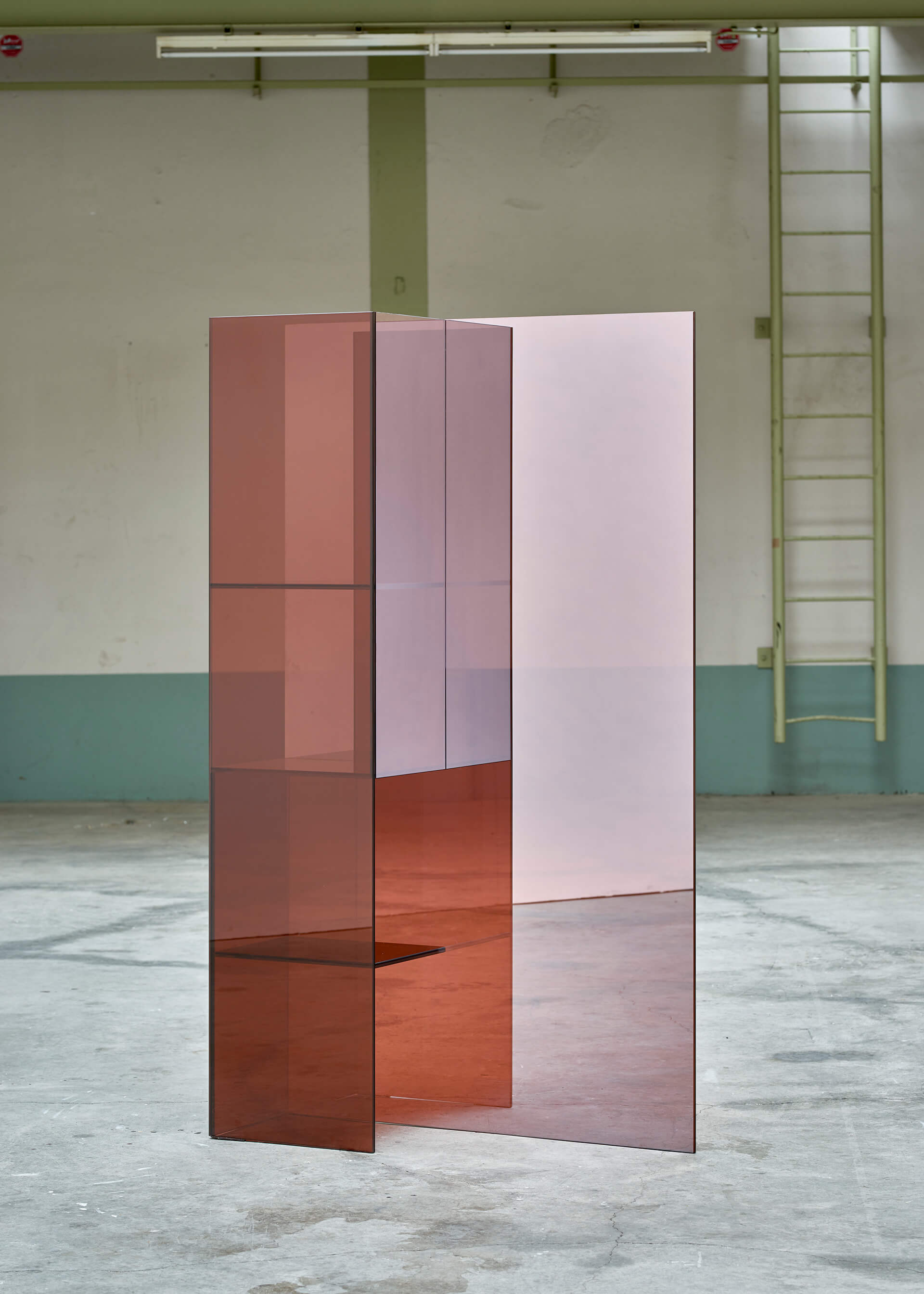 Glimpse Mirrored Screens | Made in the Netherlands: Curated by Wendy Plomp | STIRworld