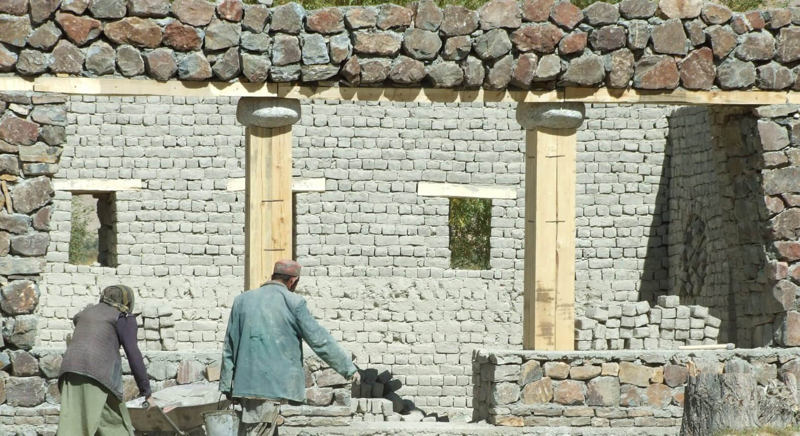 Construction of House with Dancing Windows for Pamir National Park (Wakhan corridor, Afghanistan) | Cross Border Conversations | Pradip Krishen X Prof. Anne Feenstra | STIR X LOCO Design