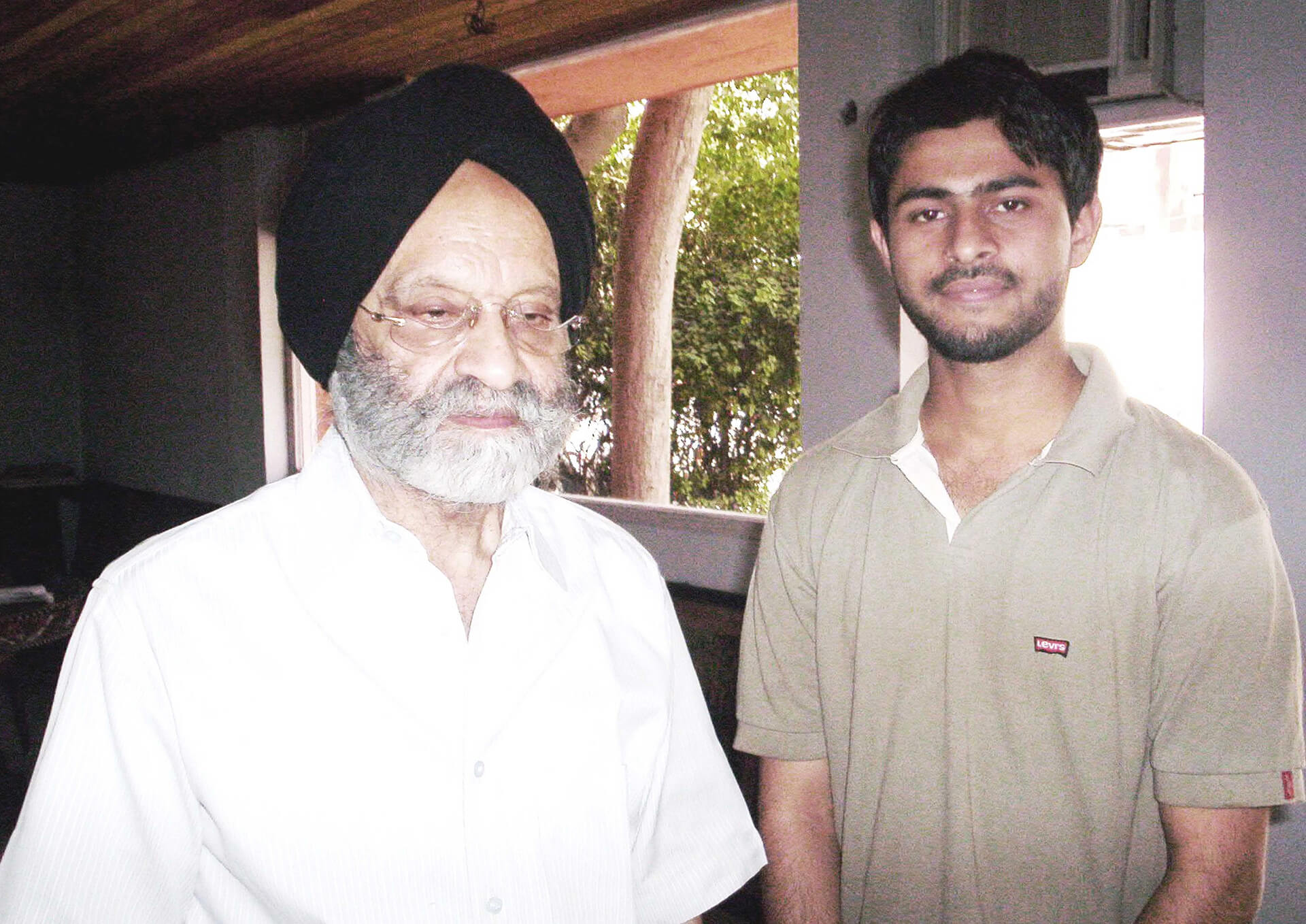 Writer and urbanist Sadiq Zafar with architect Kuldip Singh | Kuldip Singh tribute | STIRworld