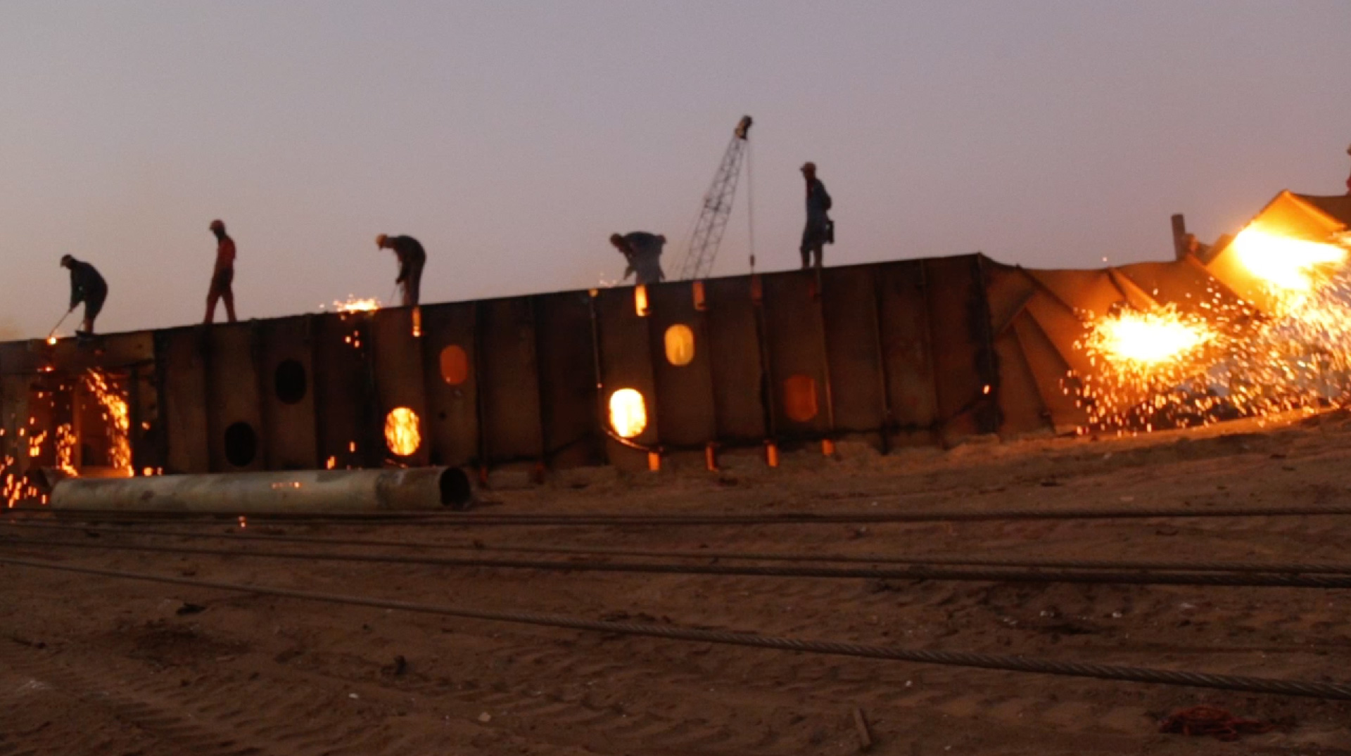 In this short documentary, 'Ocean Master' a container vessel is anthropomorphized, and enters into a dialogue with several workers at the Gadani yards | Hira Nabi | STIRworld
