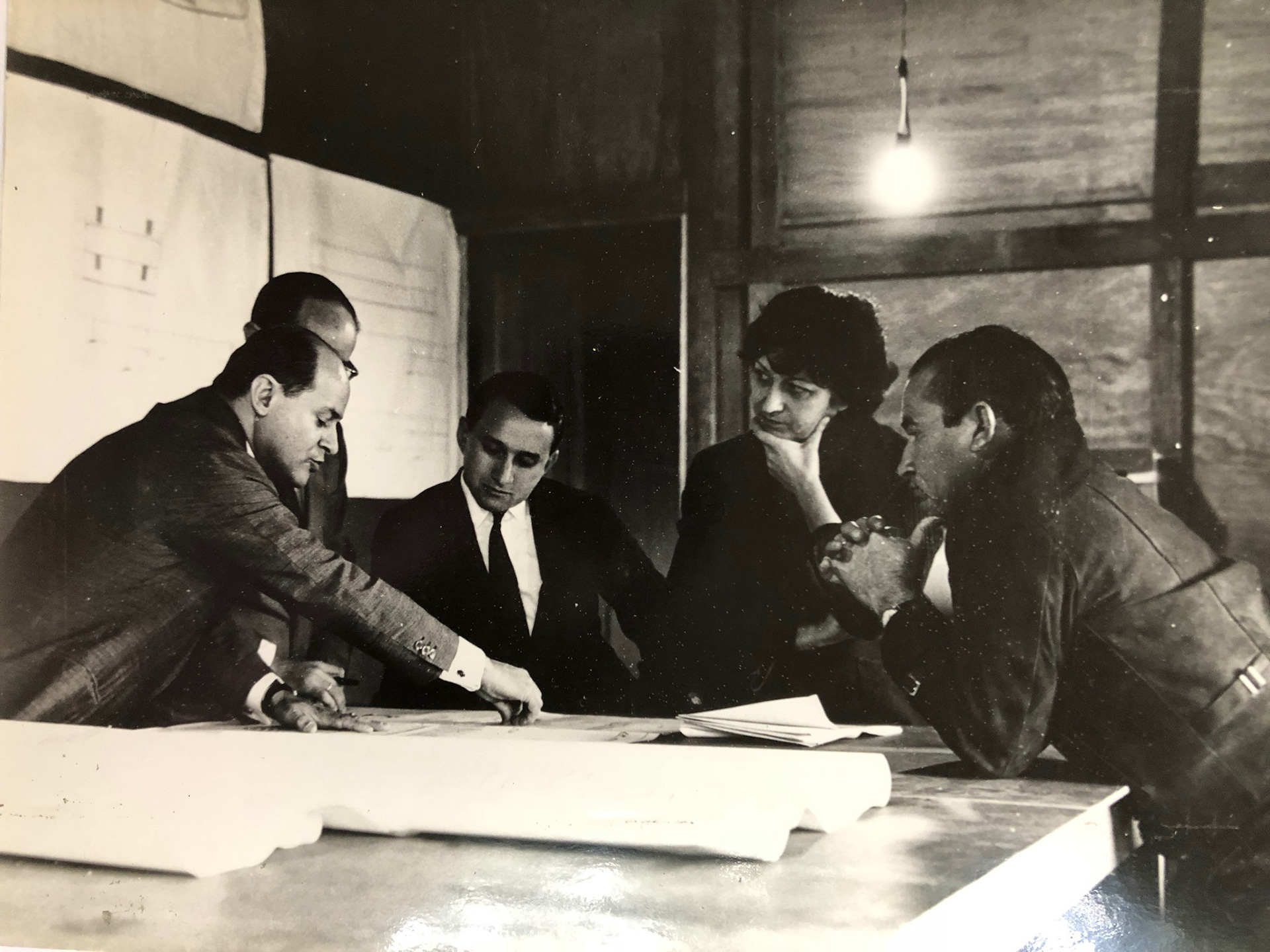 Lina Bo Bardi at a work meeting at MASP| The Special Golden Lion for Lifetime Achievement, in memoriam, Biennale Architettura 2021 | Lina Bo Bardi | STIRworld