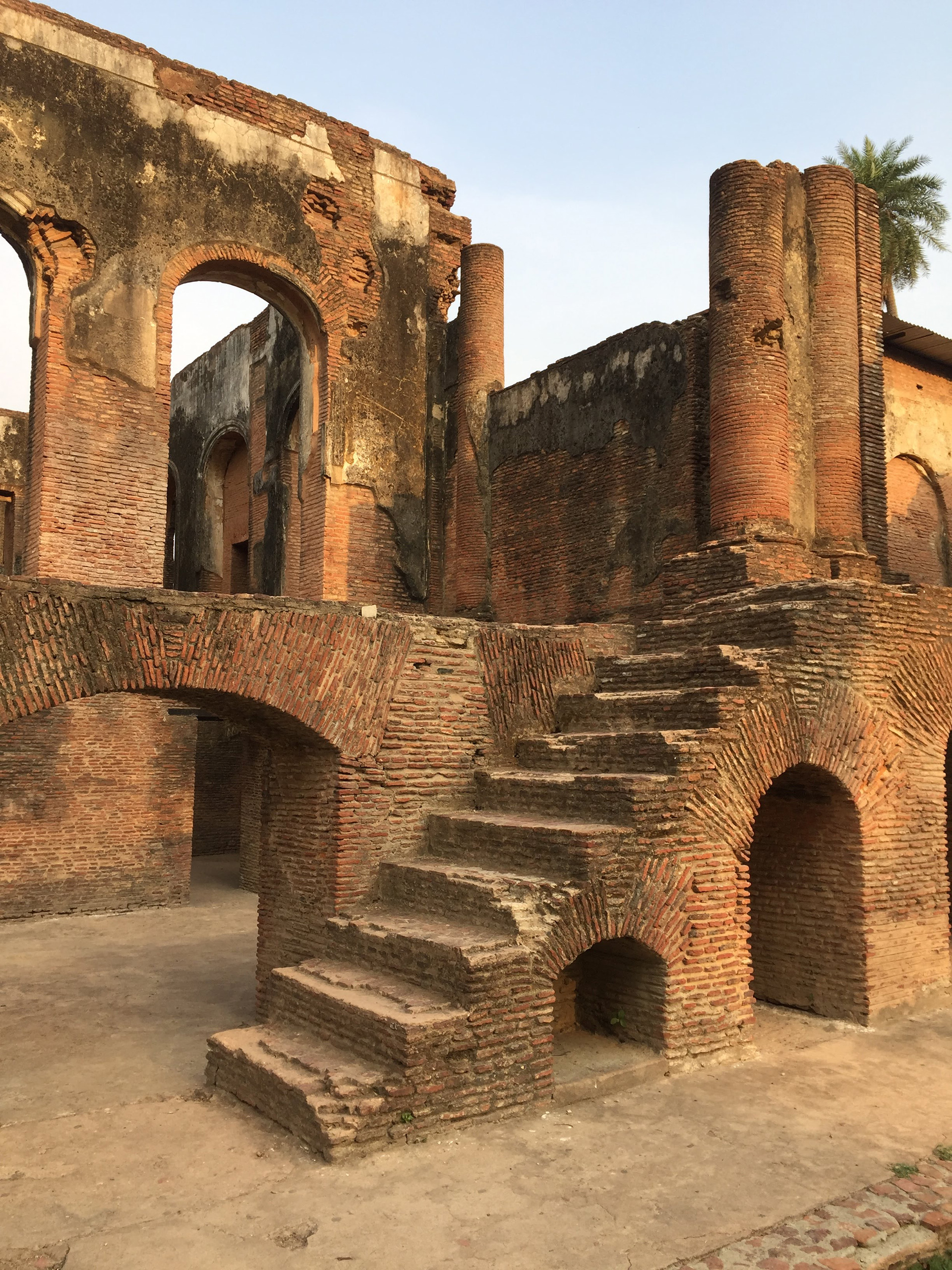 When layers of the building interior become bare to the outside without their stucco skin and stone treads, there is a new state of consequence | The Residency| Lucknow| Soumitro Ghosh| STIR