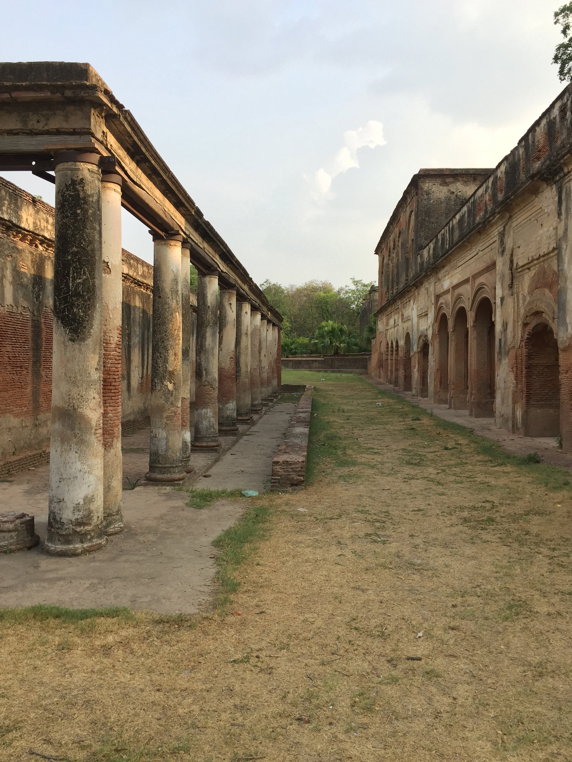 A streetscape of a colonnade and an arched bay create rich moments in the mind of lives and moments of the past| The Residency| Lucknow| Soumitro Ghosh| STIR