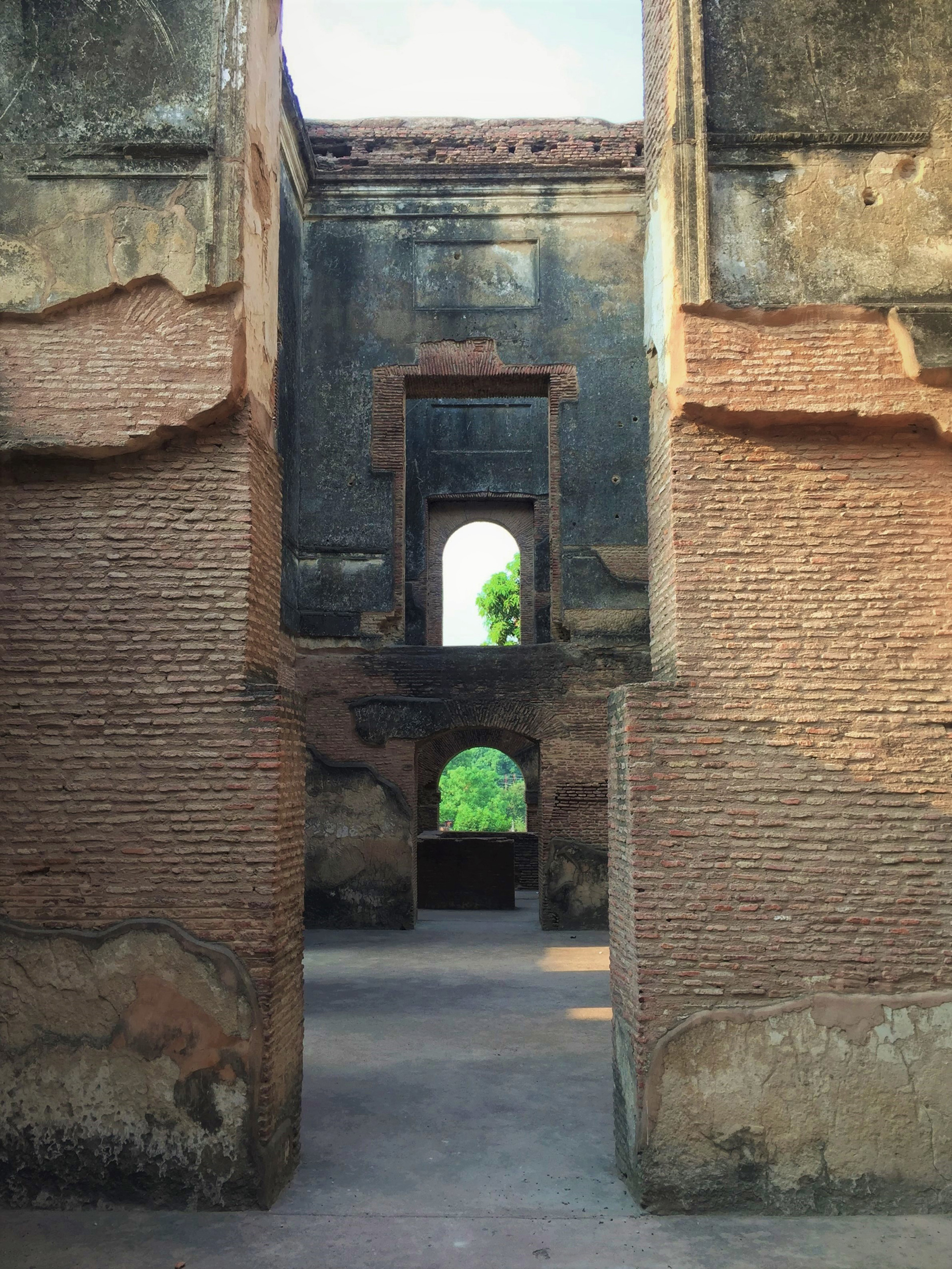Axial frames have continual depth | The Residency| Lucknow| Soumitro Ghosh| STIR