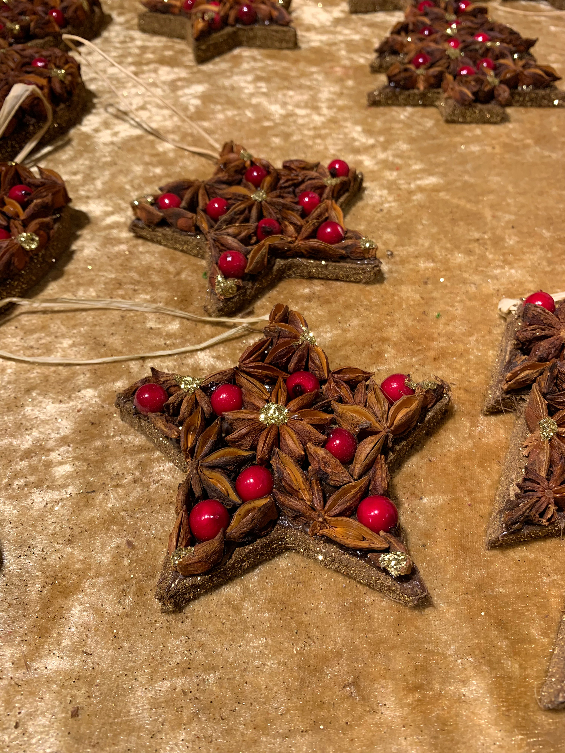 Ornaments made with Star Anise for Christmas decorations | Christmas Market | Heidelberg | STIRworld
