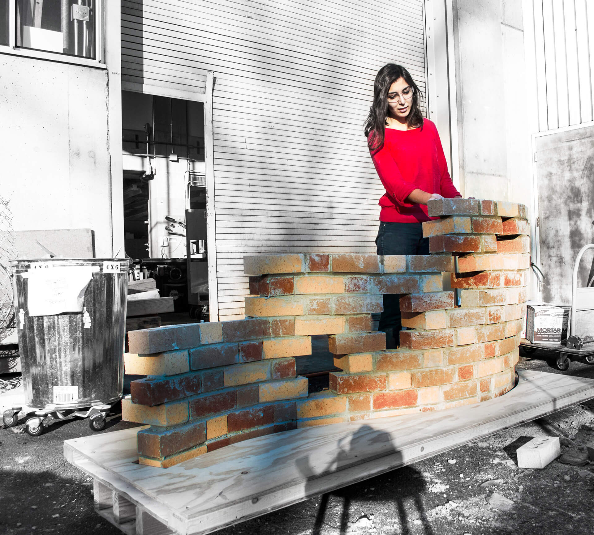 Screen Maker: a low-tech digital mason; the simple, symmetric and modular form of bricks allows for different ways of unit-to-unit connection, which can create a variety of forms and patterns |Yasaman Esmaili | Studio Chahar | STIRworld