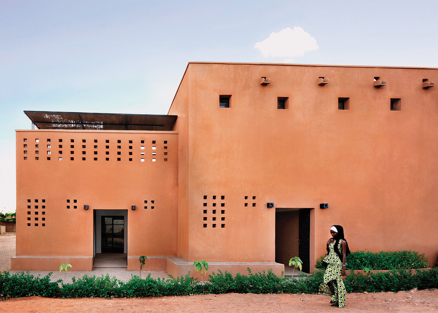 Niamey 2000 is a 1700 sqm (18,000 ft2) housing development that was designed in response to the housing crisis in Niamey, the capital of Niger | Yasaman Esmaili | Studio Chahar | STIRworld