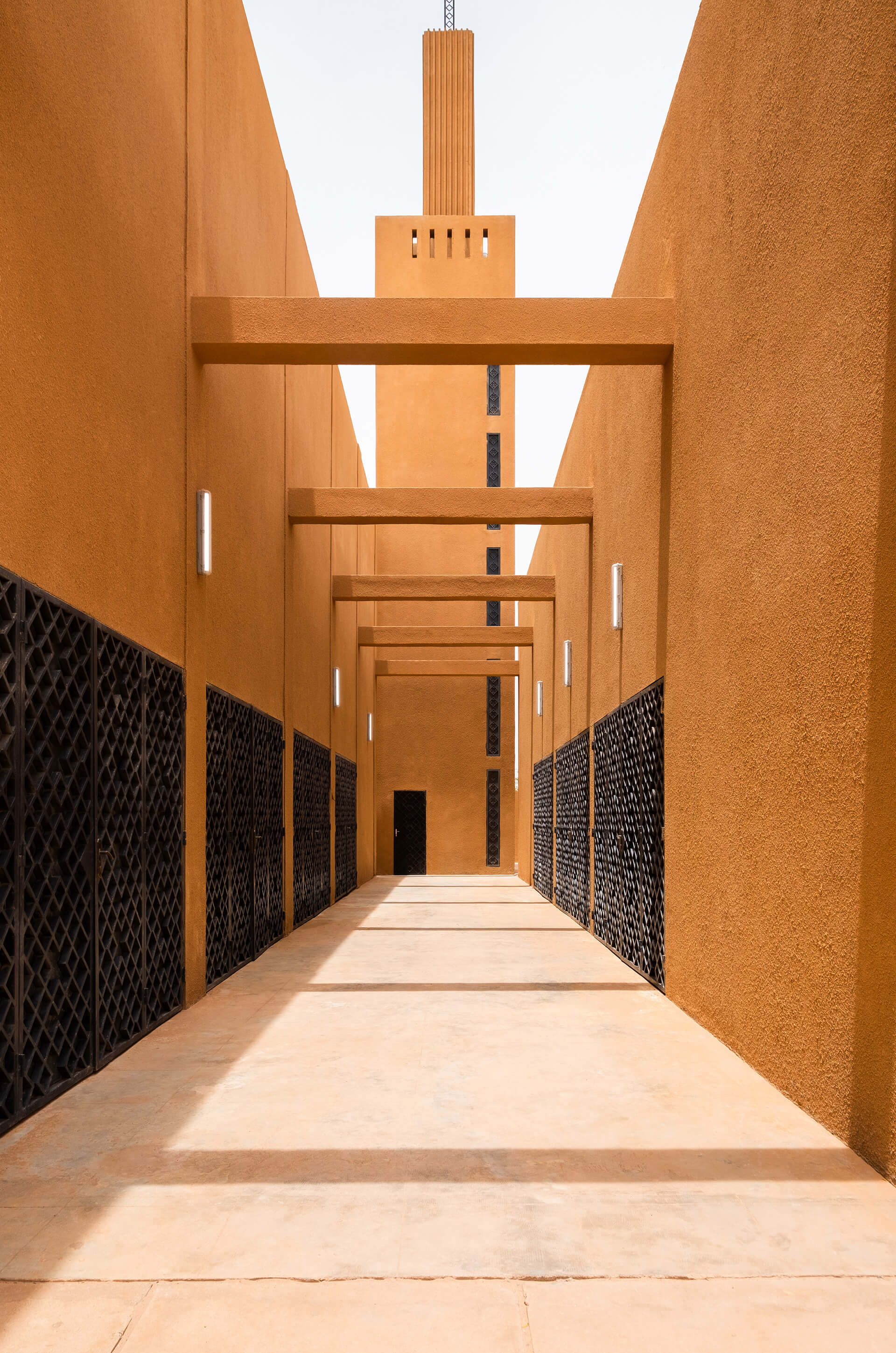 To renovate the old building to its previous glory, the original masons were invited to join the project's team for Hikma, a religious and secular complex in Niger | Yasaman Esmaili | Studio Chahar | STIRworld