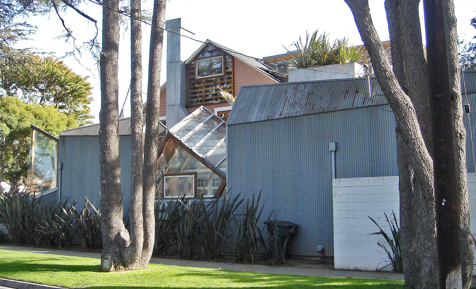 Gehry-designed first house in Santa Monica | Frank Gehry | STIRworld
