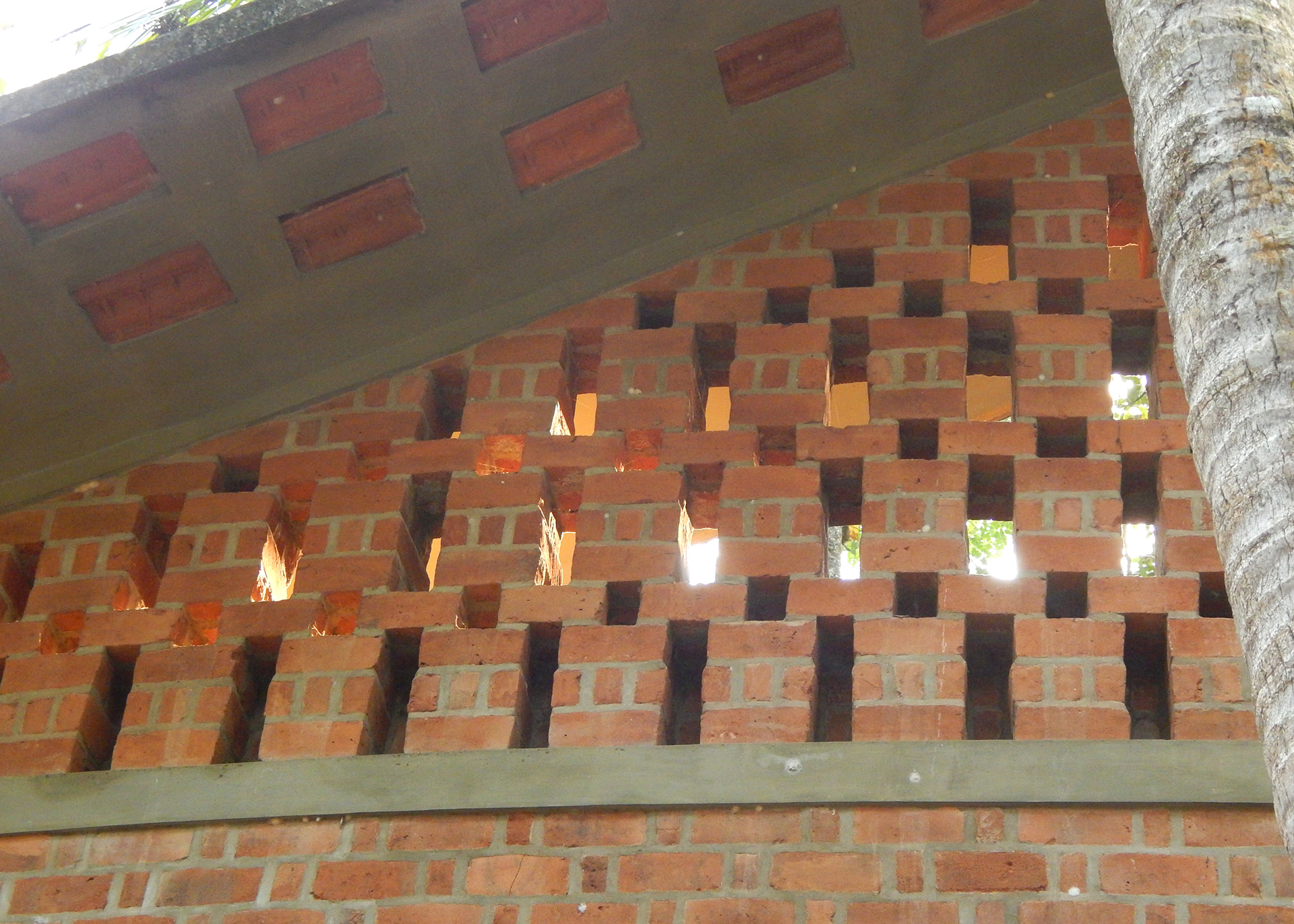 Brick perforated wall at the Laurie Baker Centre | Laurie Baker | STIRworld