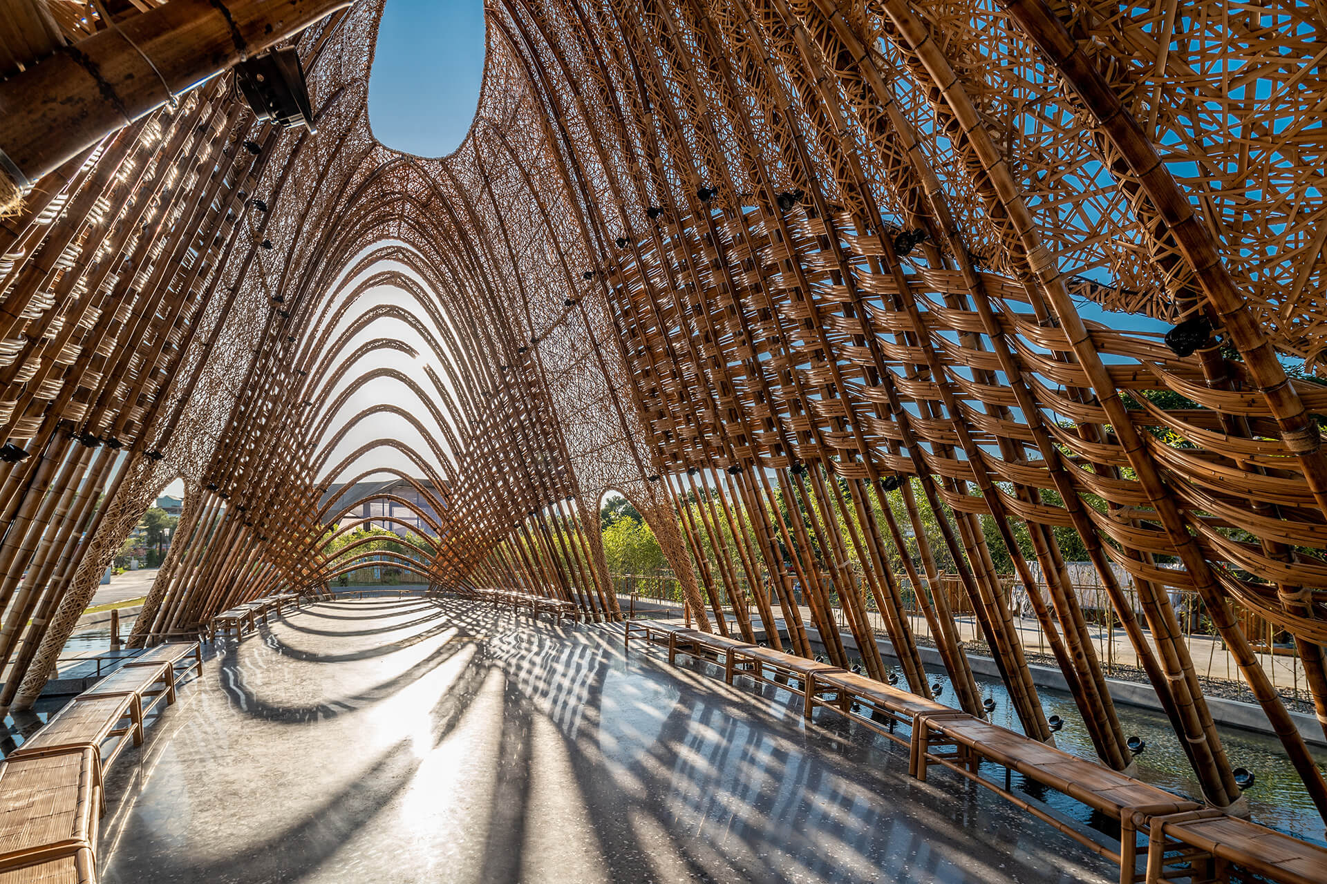The space inside the pavilion provides an experience akin to a 'walk through the forest' | Zuo Studio creates the Bamboo Pavilion for Taichung World Flora Exposition | STIRworld