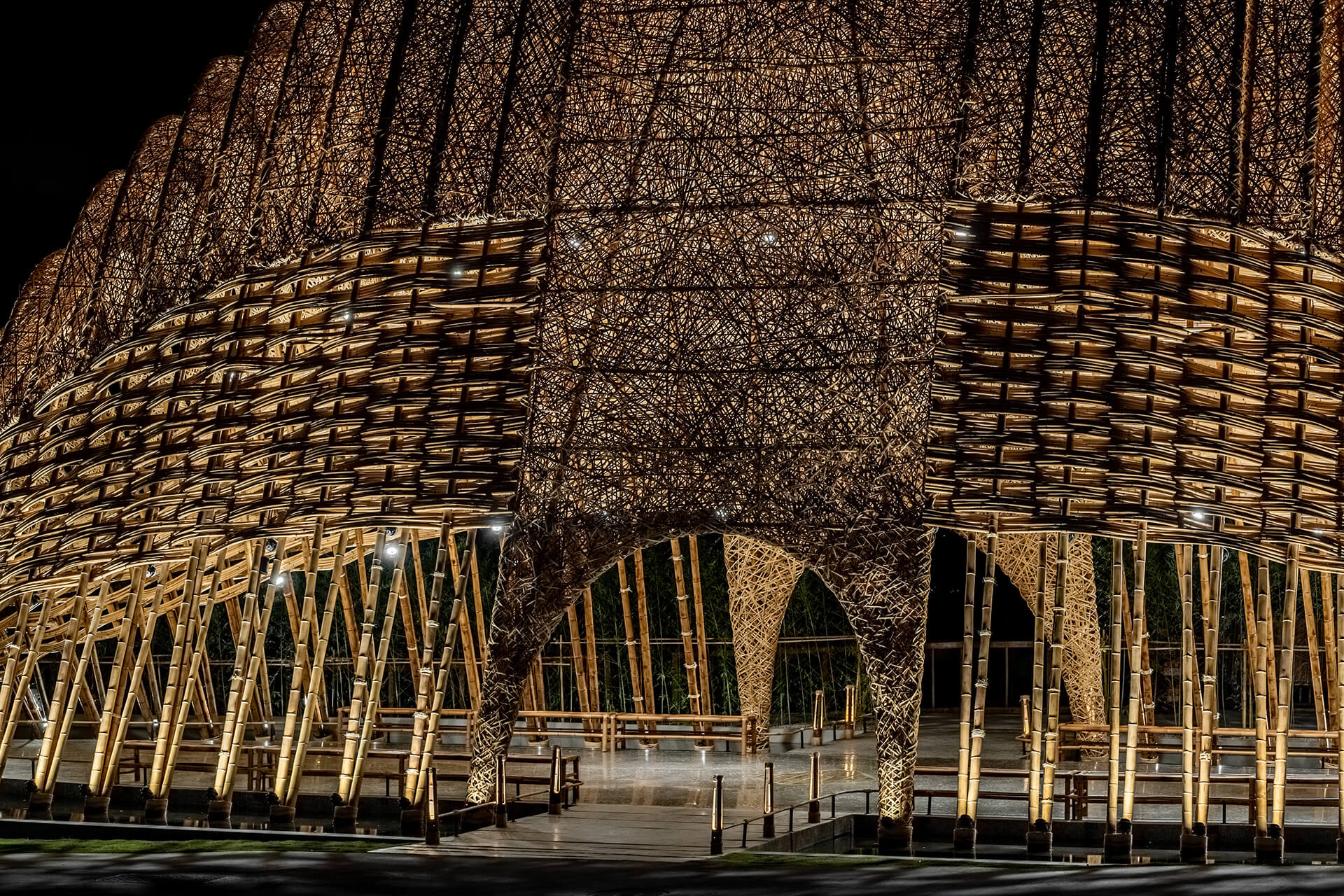 The bamboo sheets are woven in longitudinal and omni-directional methods across the pavilion | Zuo Studio creates the Bamboo Pavilion for Taichung World Flora Exposition | STIRworld