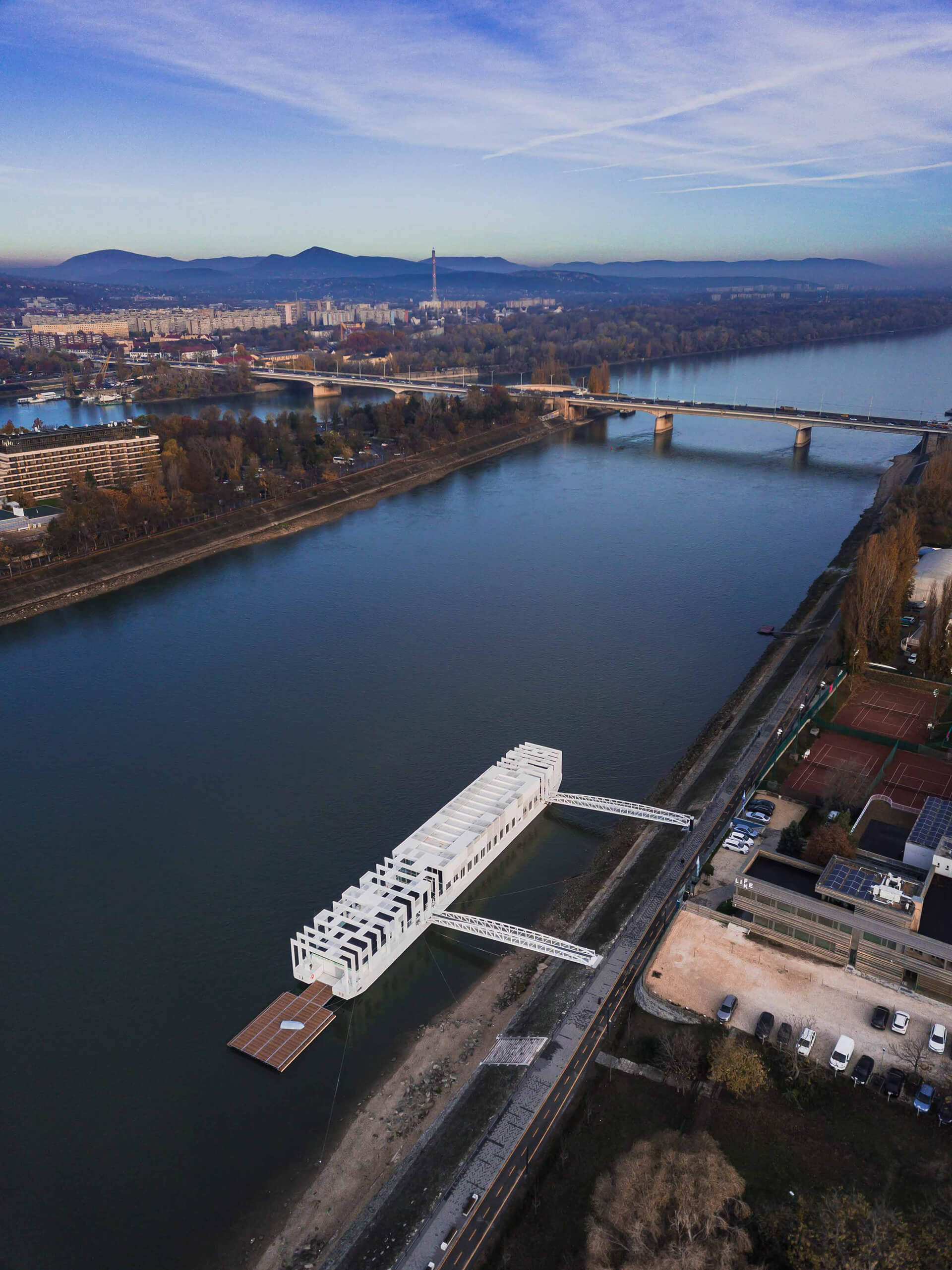 Hungarian Canoe Federation initiated this to build a headquarter on the Moscow Promenade | The Ark | Napur Architecture | STIRworld