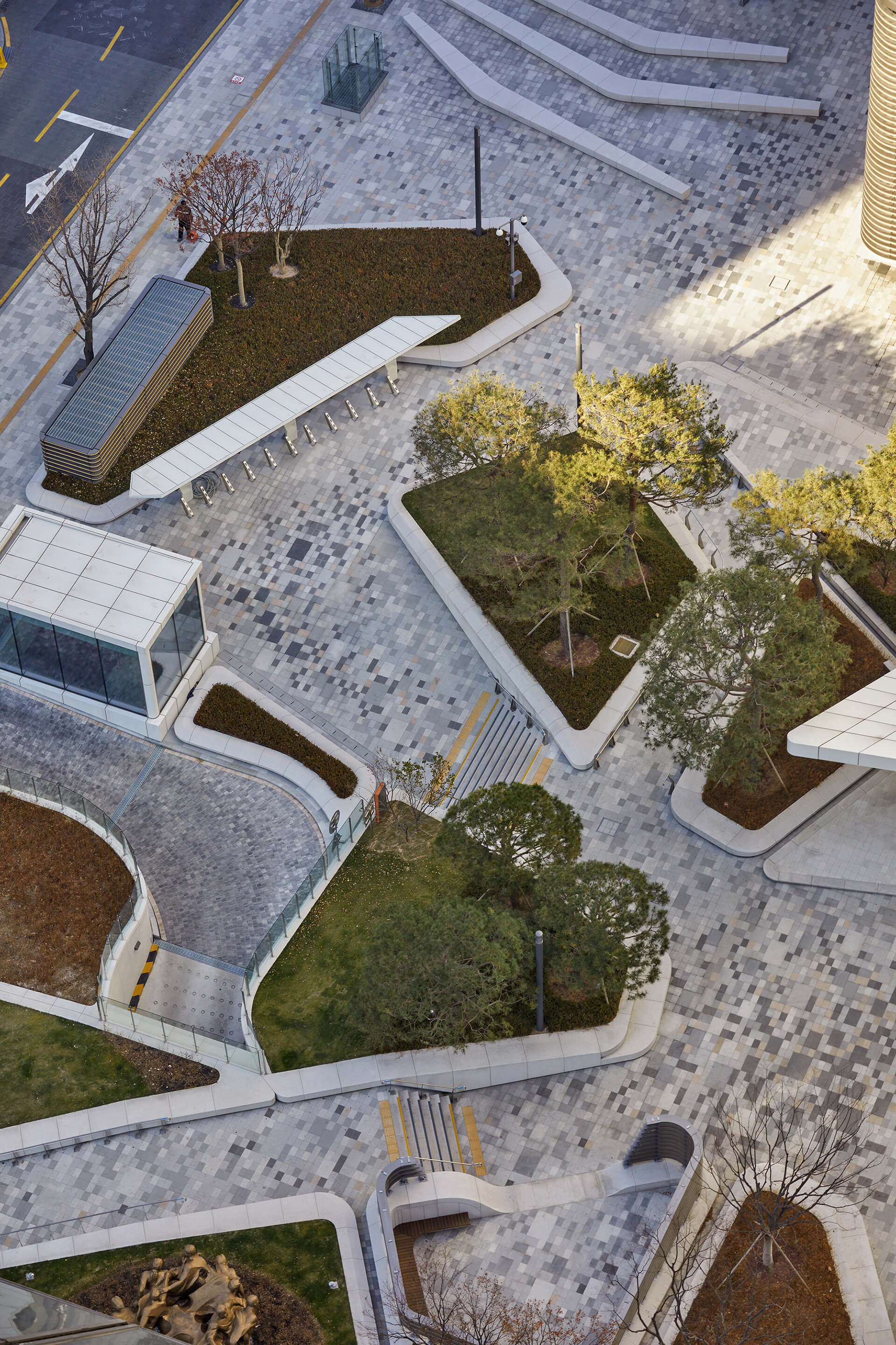 Landscaping around the tower's plaza | Hanwha Headquarters Remodelling by UNStudio | STIRworld