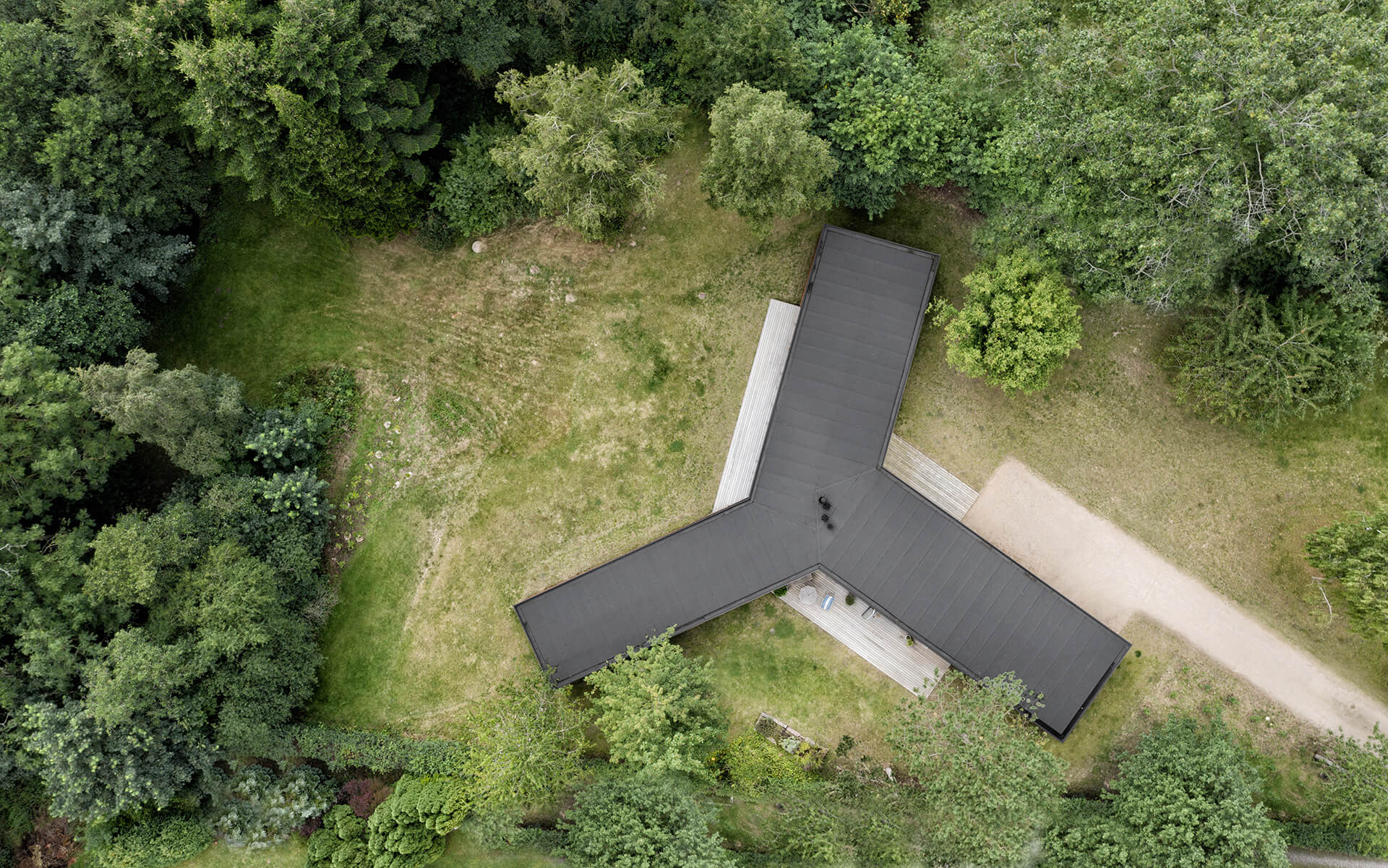 The three legged form of Villa Korup | Villa Korup designed by Jan Henrik Jansen Arkitekter with Marshall Blecher | STIRworld