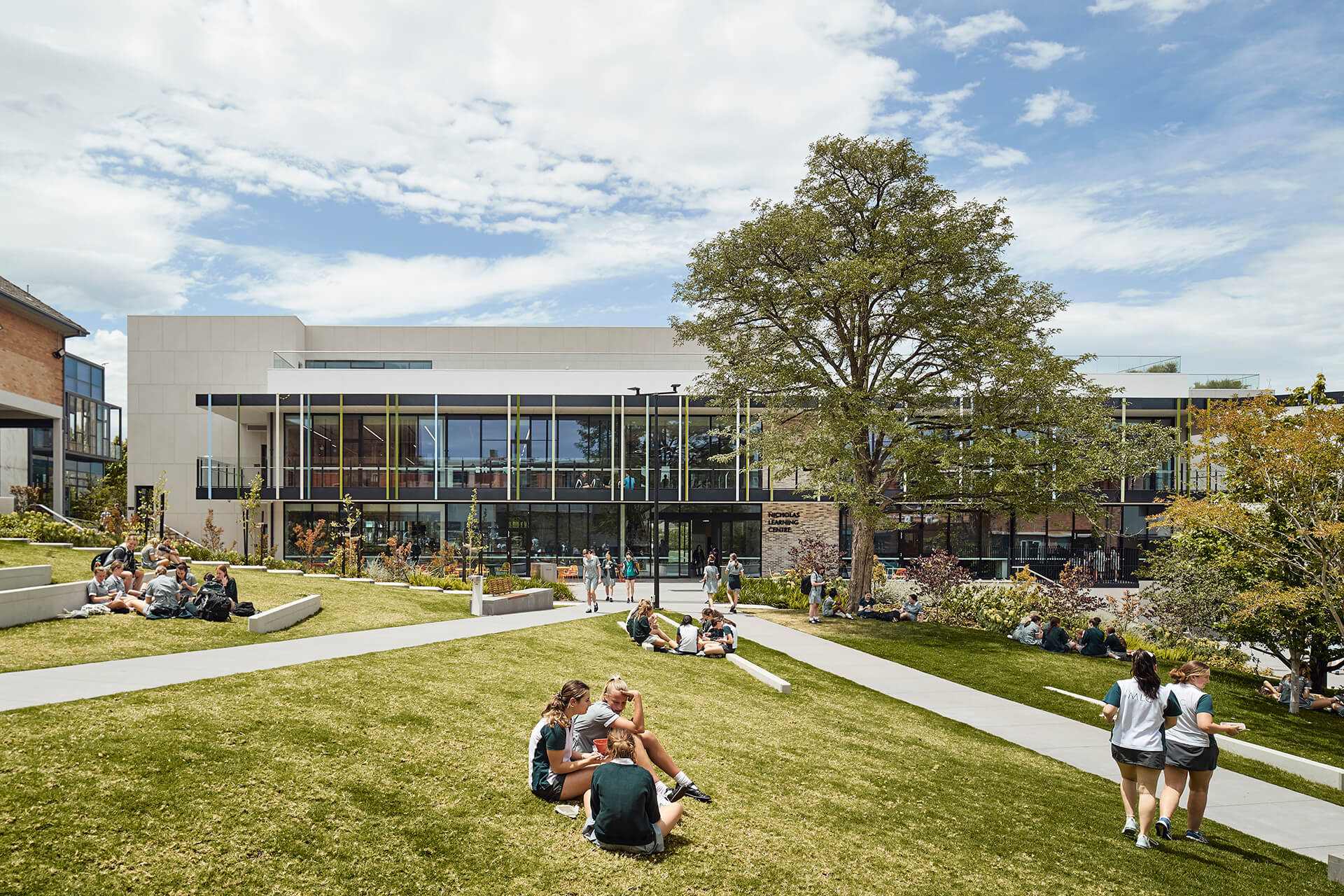 The Principal's Terrace outdoor area is the heart of the new building | MLC Nicholas Learning Centre by Mcildowie Partners| STIRworld