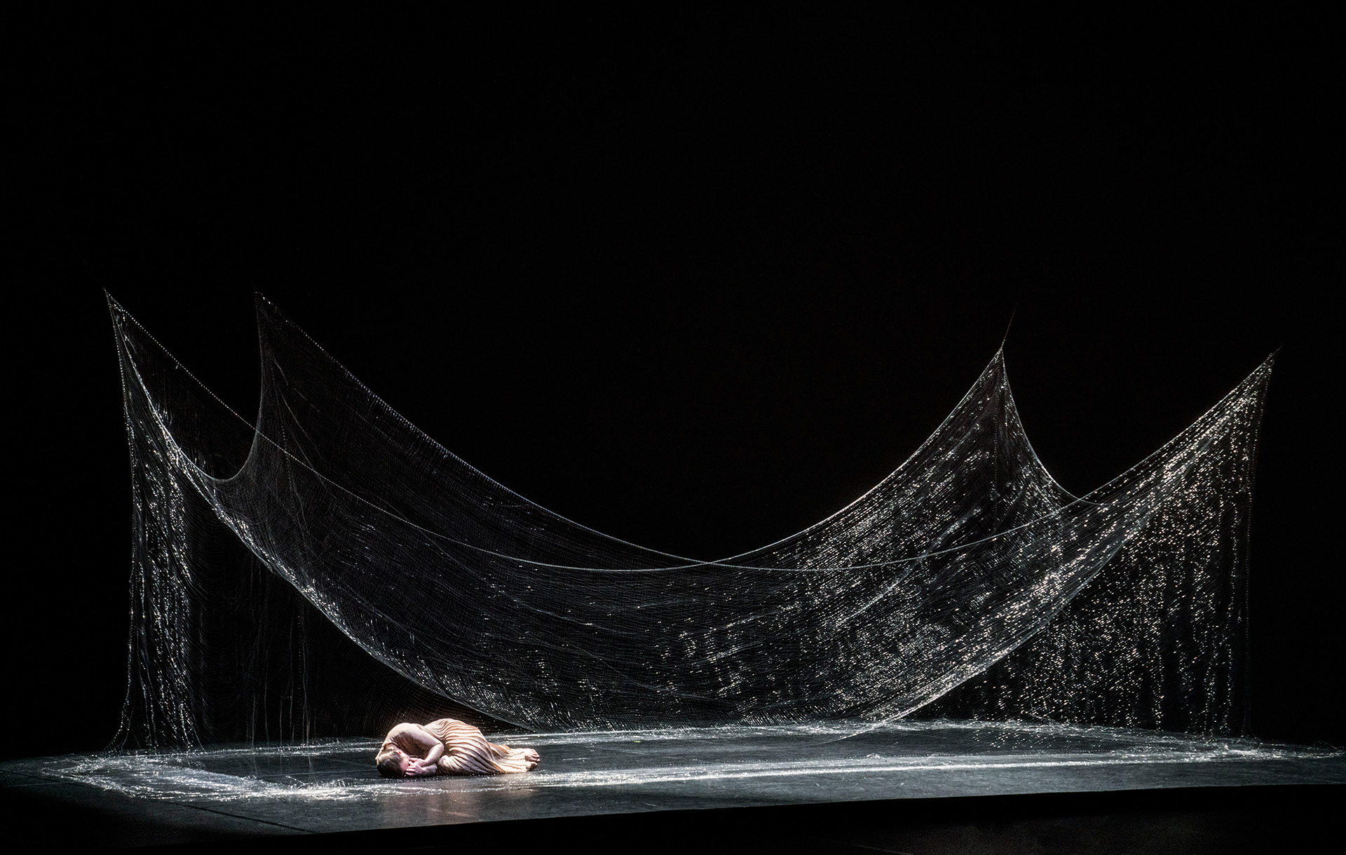 Adopting Wagner's 'Gesamtkunstwerk' philosophy takes L'Orfeo to new heights | L'Orfeo | Studio Drift | STIRworld