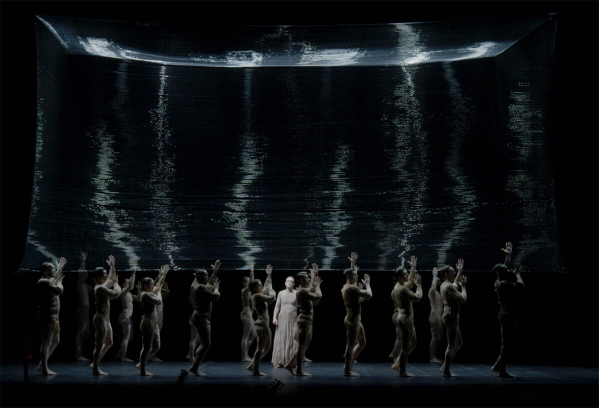 'Ego' creates a breathtaking visual with its incredible design | L'Orfeo | Studio Drift | STIRworld