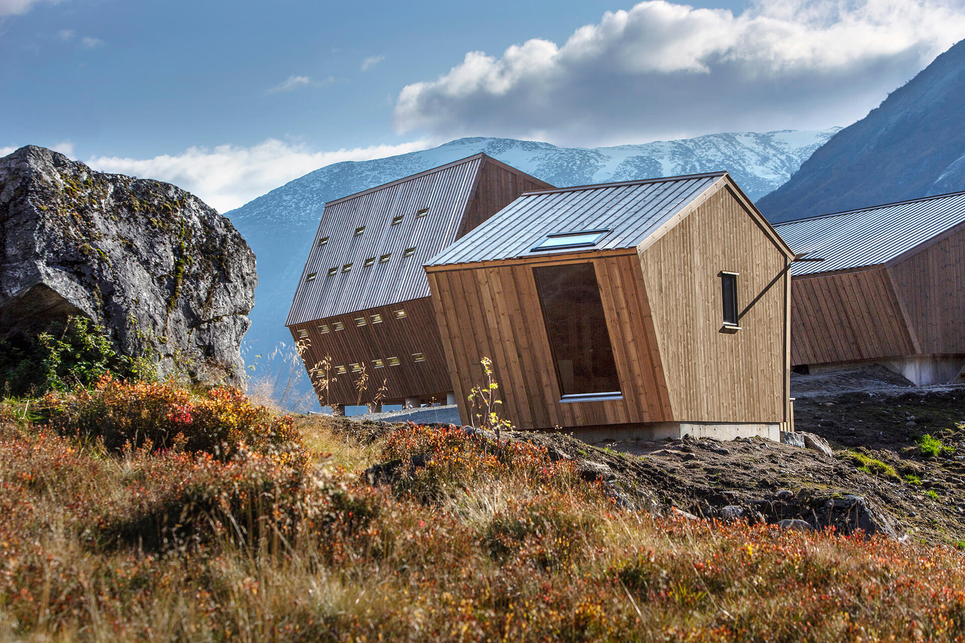 One of the smaller cabins | Tungestølen Hiking Cabin by Snøhetta | STIRworld