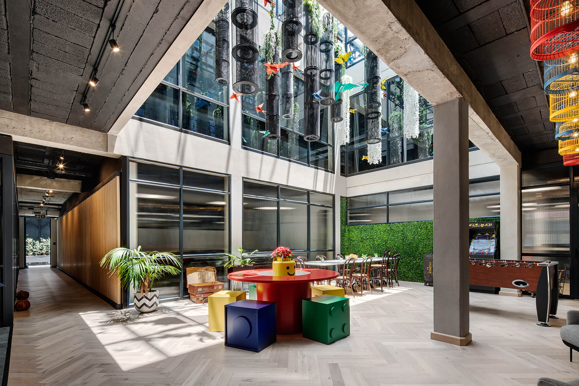 The triple column day-lit central atrium in the building | 78 Corlett Drive | Daffonchio and Associates Architects | STIRworld