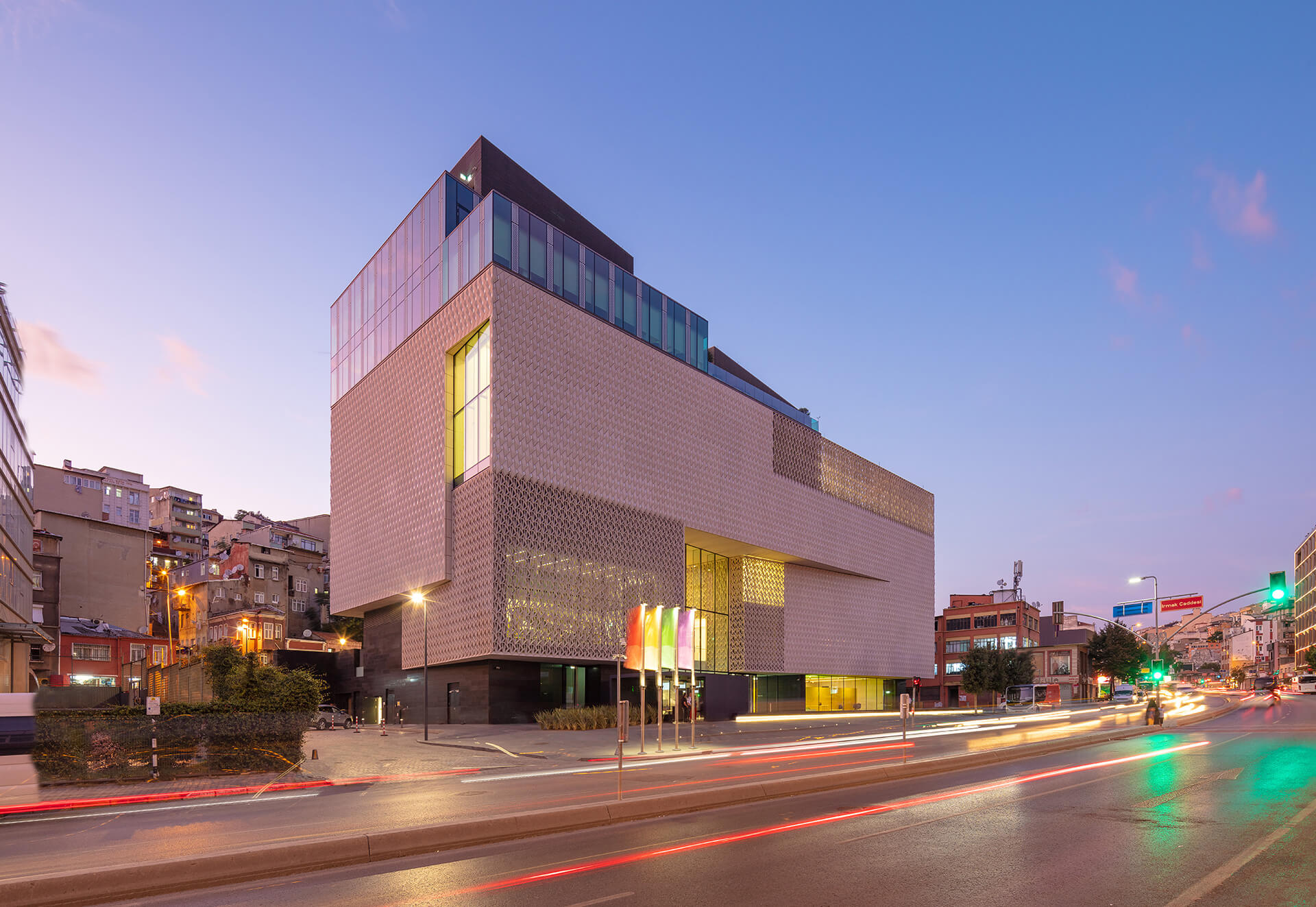 Night view of the building | Arter Contemporary Art Museum by Grimshaw Architects | STIRworld