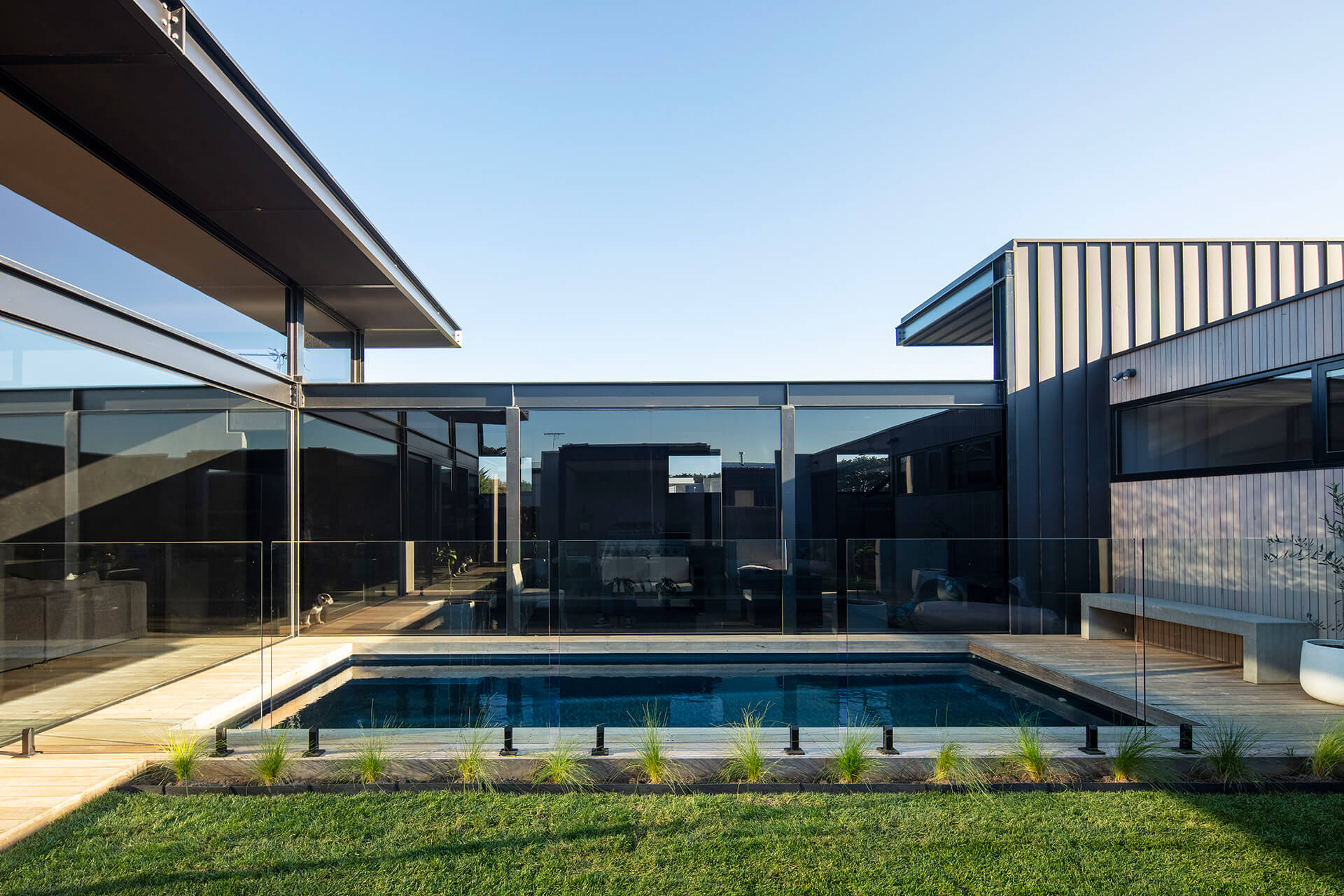 The swimming pool and the exterior material façade | Cashmore House | Lachlan Shepherd Architects | STIRworld