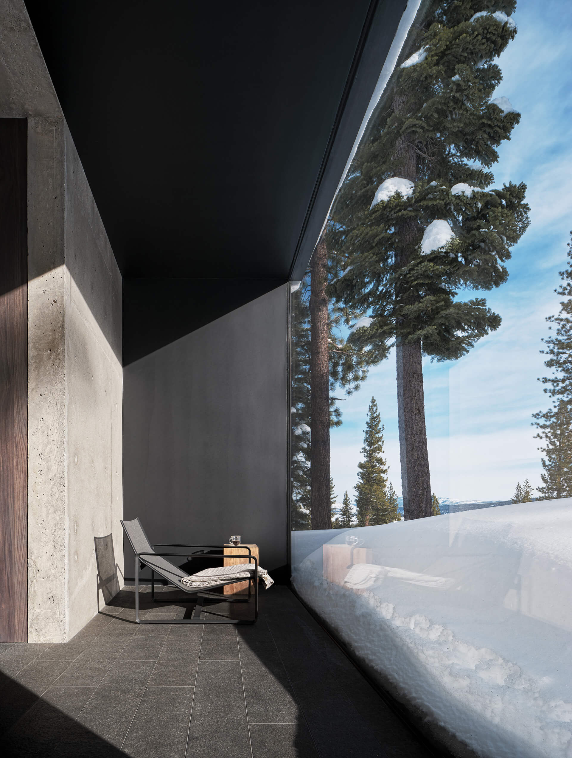 Floor to ceiling glass opening | Lookout House by Faulkner Architects | STIRworld