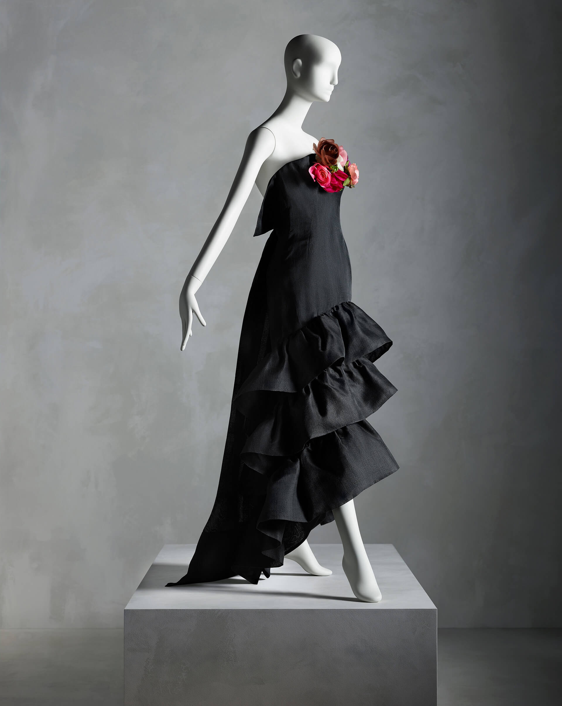'Evening Dress', Cristóbal Balenciaga (Spanish, 1895–1972) for House of Balenciaga (French, founded 1937), summer 1961; Promised gift of Sandy Schreier  | In Pursuit of Fashion: The Sandy Schreier Collection | The Metropolitan Museum of Art | STIRworld