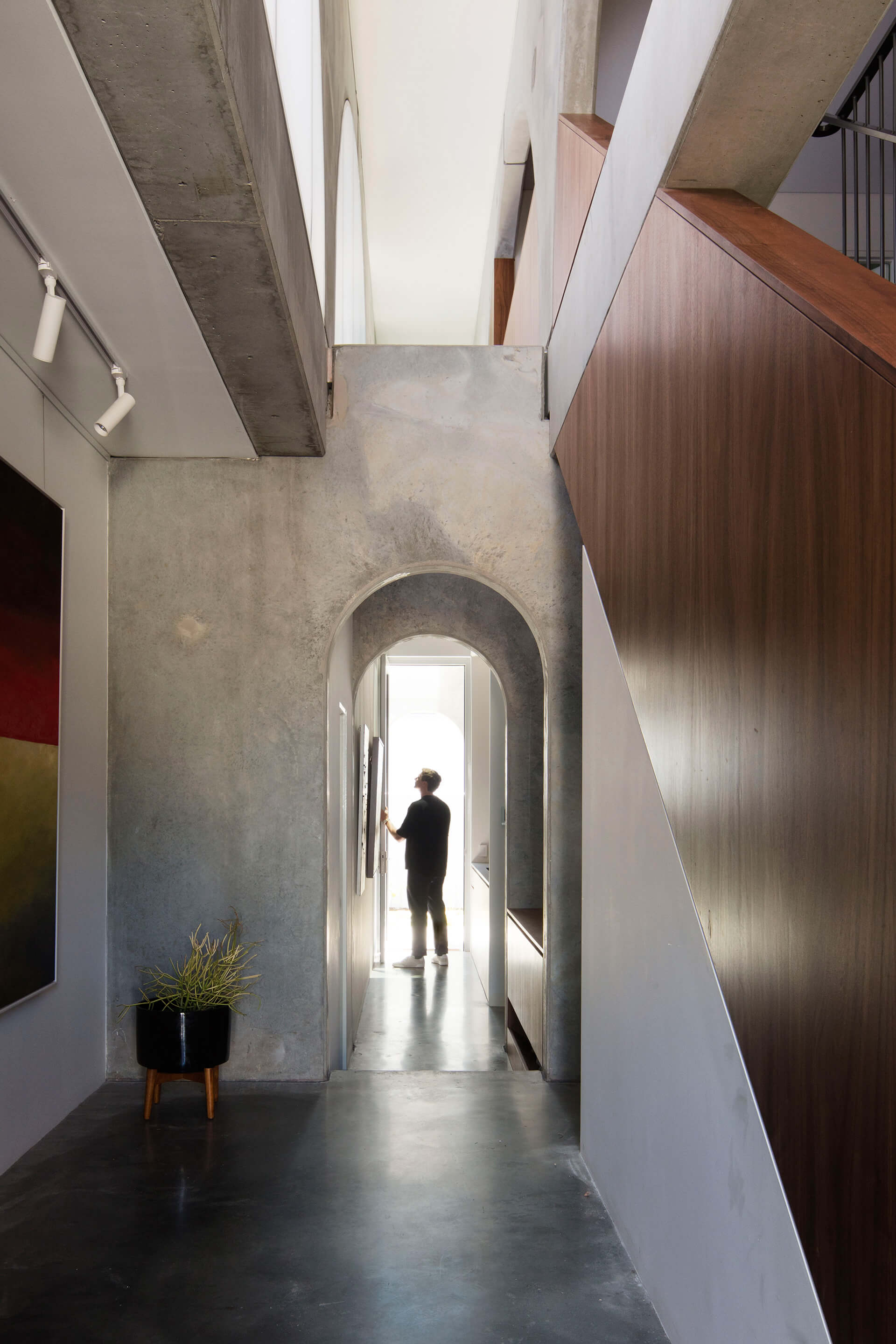 Pedestrian arches pave way for uninterrupted perpendicular travel | North Perth House by Nic Brunsdon | STIRworld