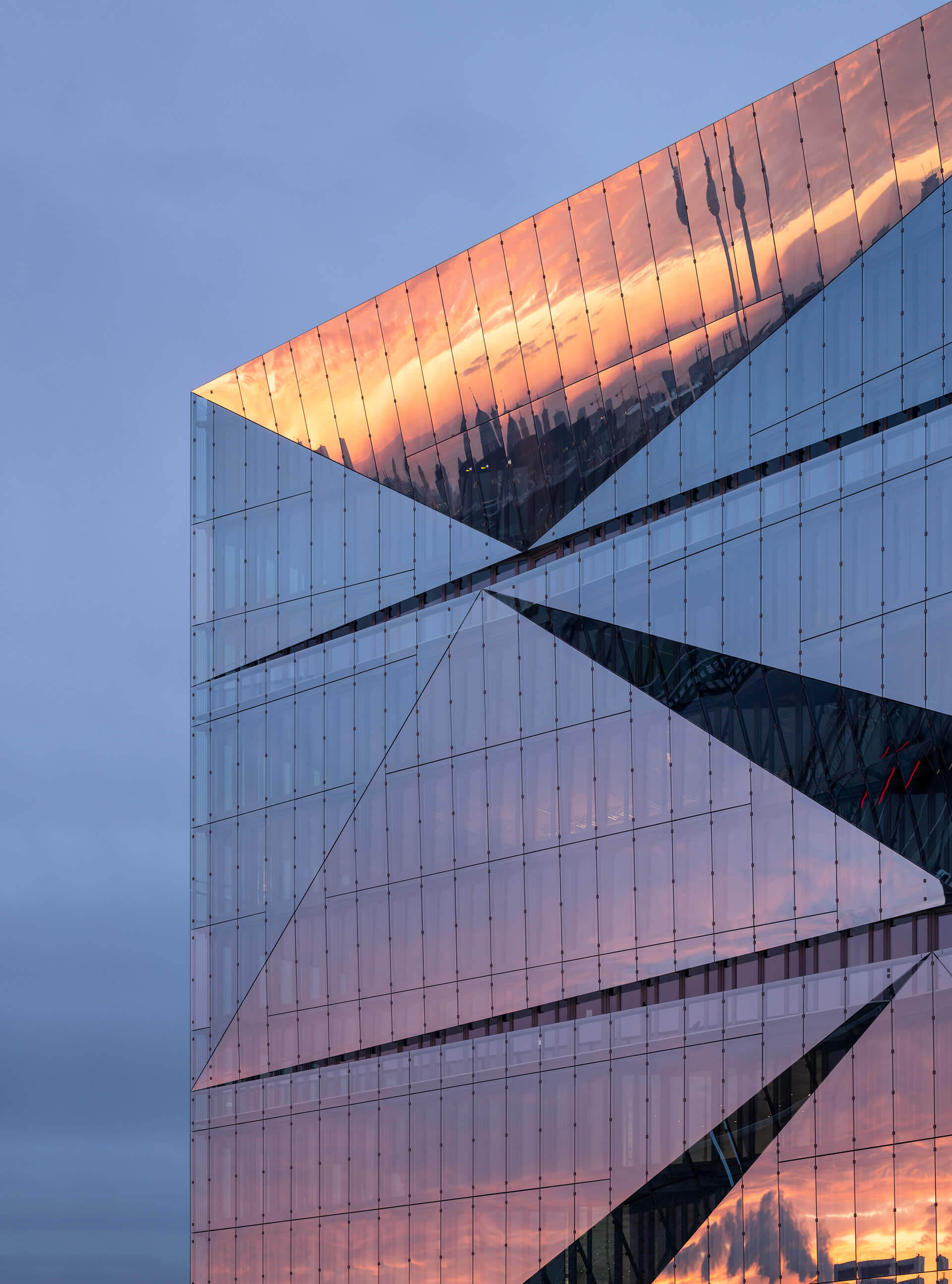 The dynamic glass façade | cube berlin designed by 3XN | STIRworld