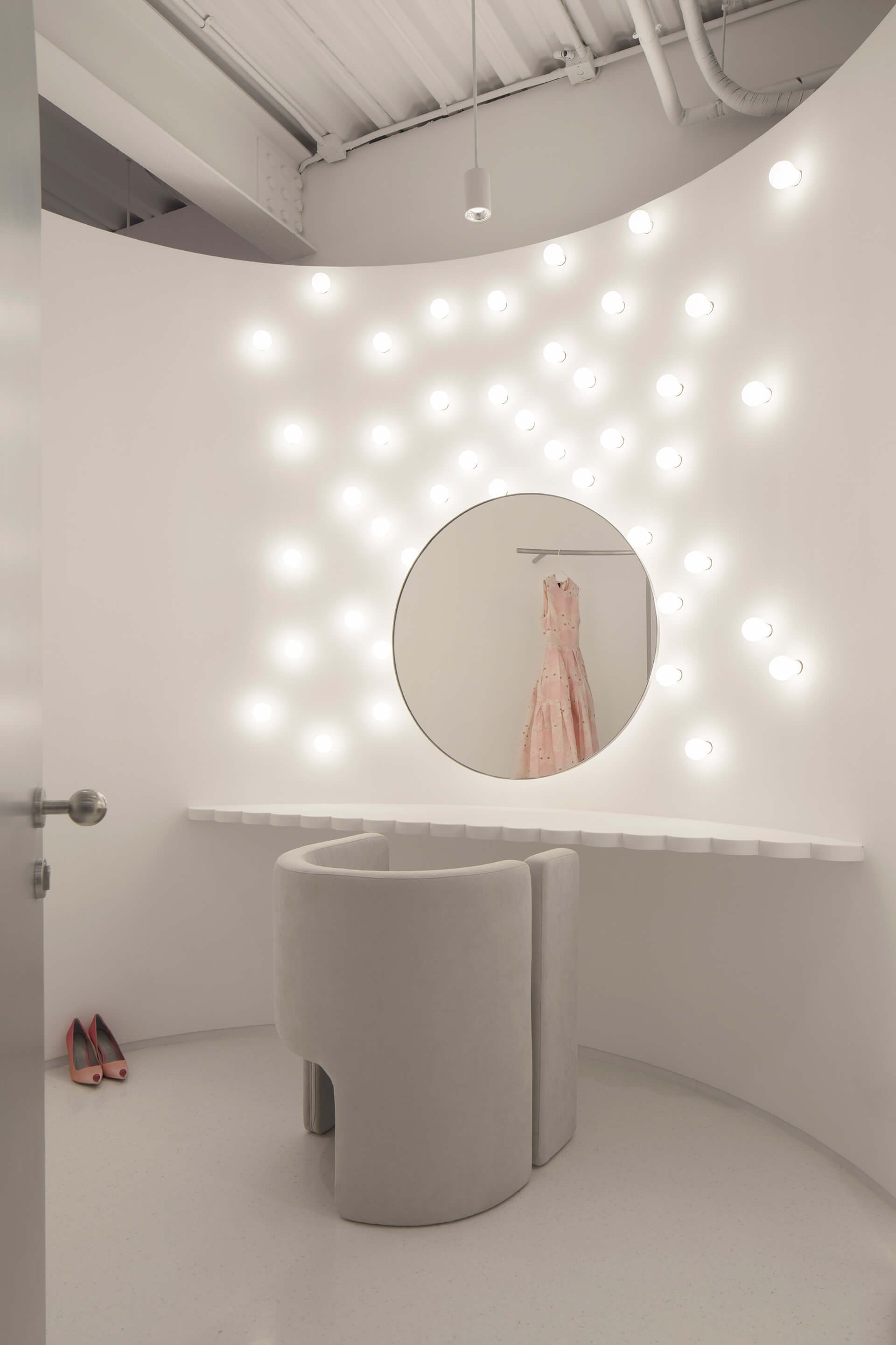 The VIP makeup room is designed in 'intergalactic minimalism' | Masquerade by 123 Architects | STIRworld
