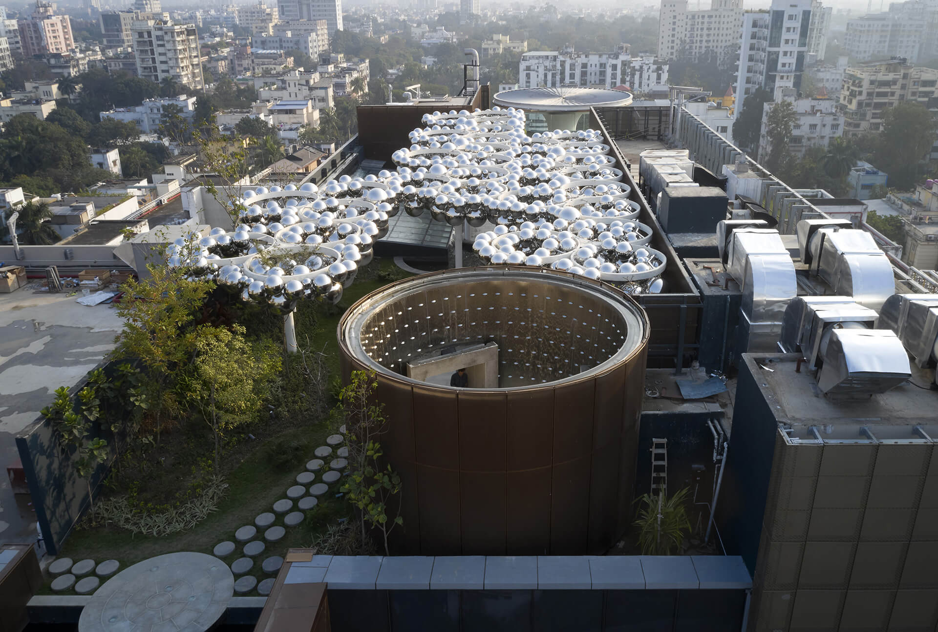 The terrace for RP-Sanjiv Goenka Group corporate office by Abin Design Studio is a 'space' for provocation to connect sky, light, water and nature | RP-Sanjiv Goenka Group corporate office by Abin Design Studio | STIRworld