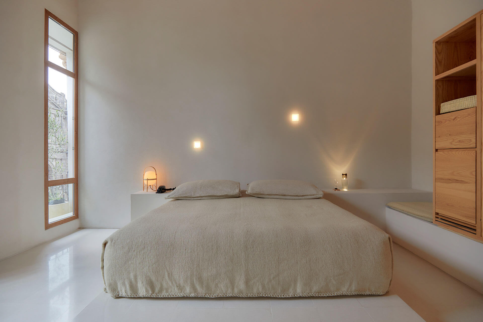 Guest rooms reveal a nude colour palette | Círculo Mexicano | Ambrosi Etchegaray | STIRworld