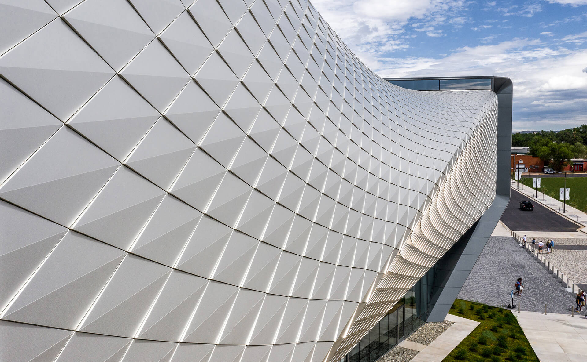 The façade of the USOP Museum with anodised aluminium panels tilted by 1 degree at the corners to give it a scale-like appearance | United States Olympic and Paralympic Museum | Diller Scofidio + Renfro | STIRworld