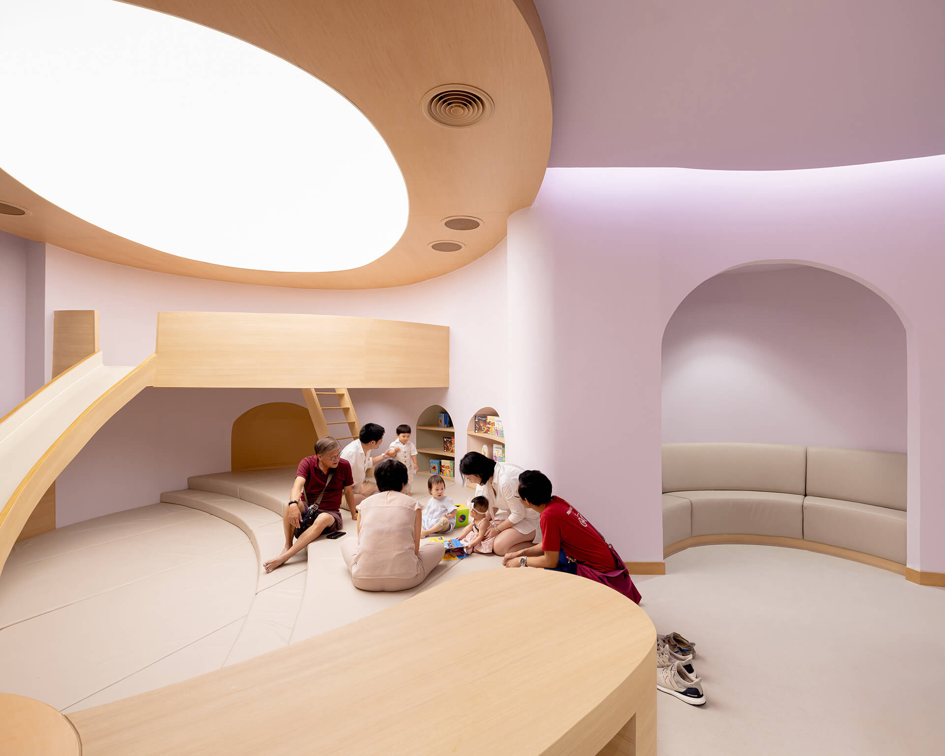 Curved lines and niches | EKH Children's Hospital by Integrated Field | STIRworld