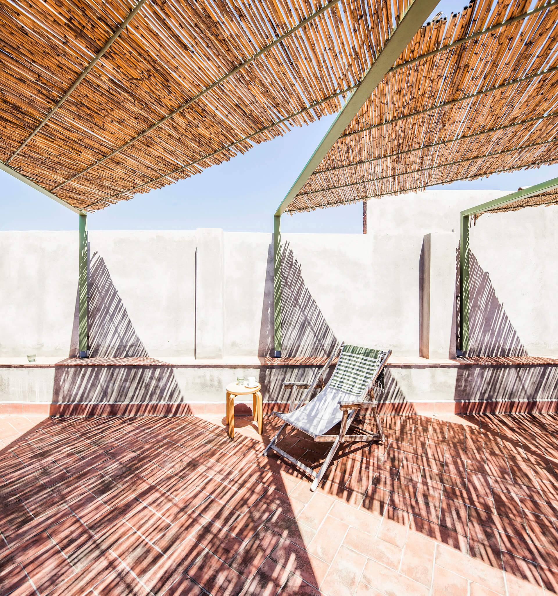 Shading assembly on the first-floor terrace | Dirk and the Chocolate Factory | Anna and Eugeni Bach Architects | STIRworld