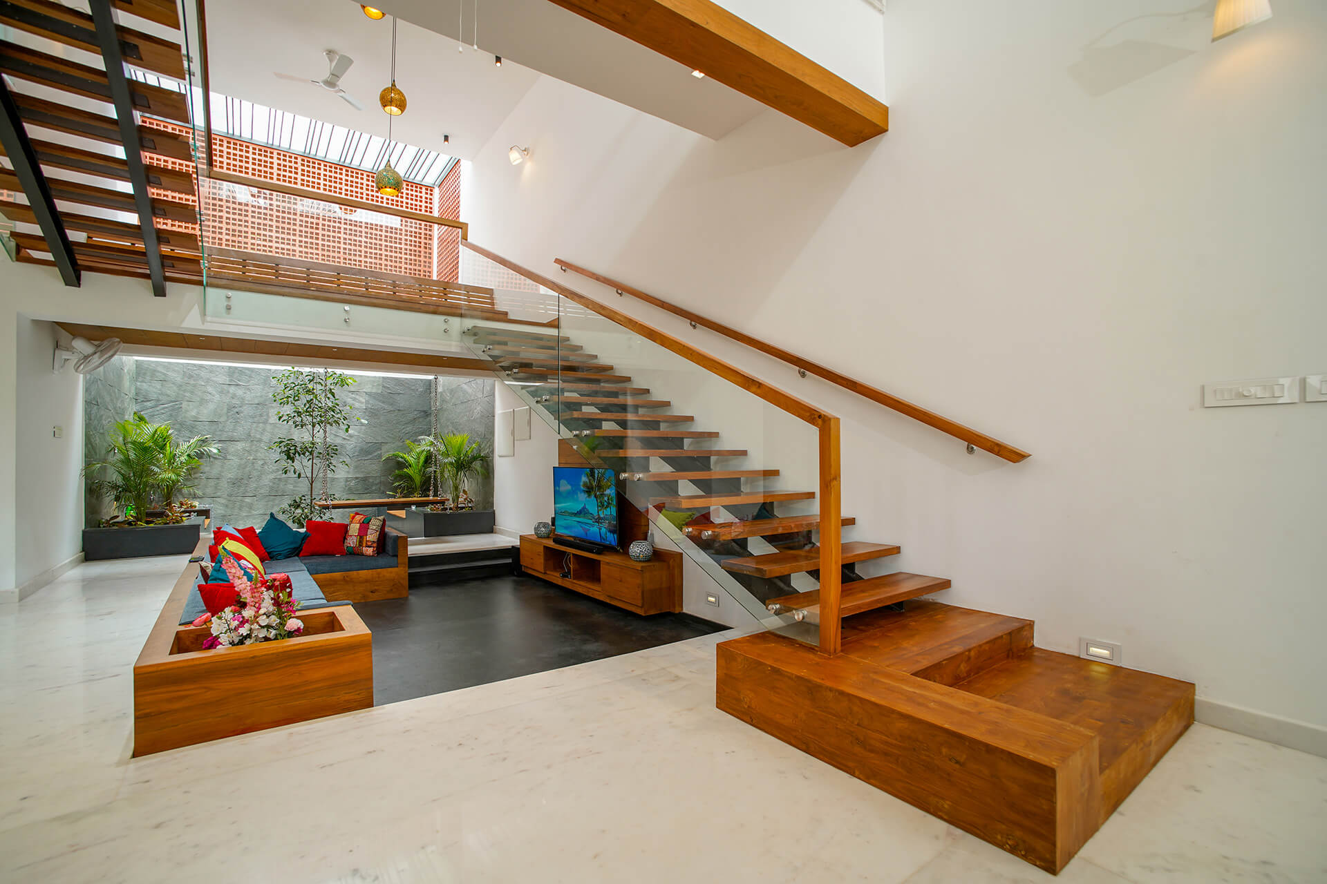 Inside the Box House | Box House designed by Uru Consulting | STIRworld